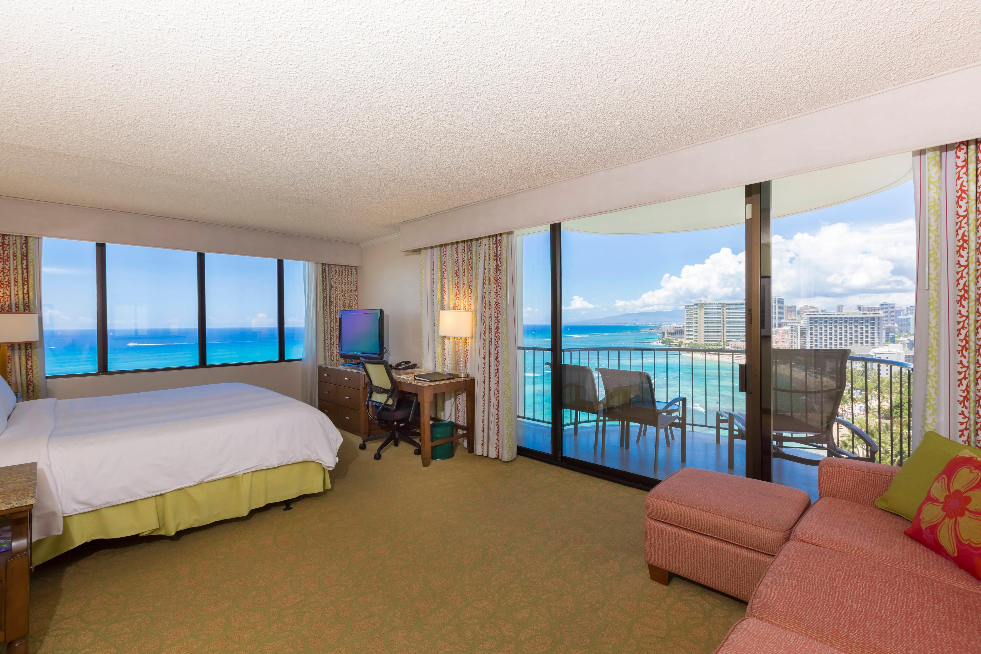 Waikiki Oceanfront Junior Suite
