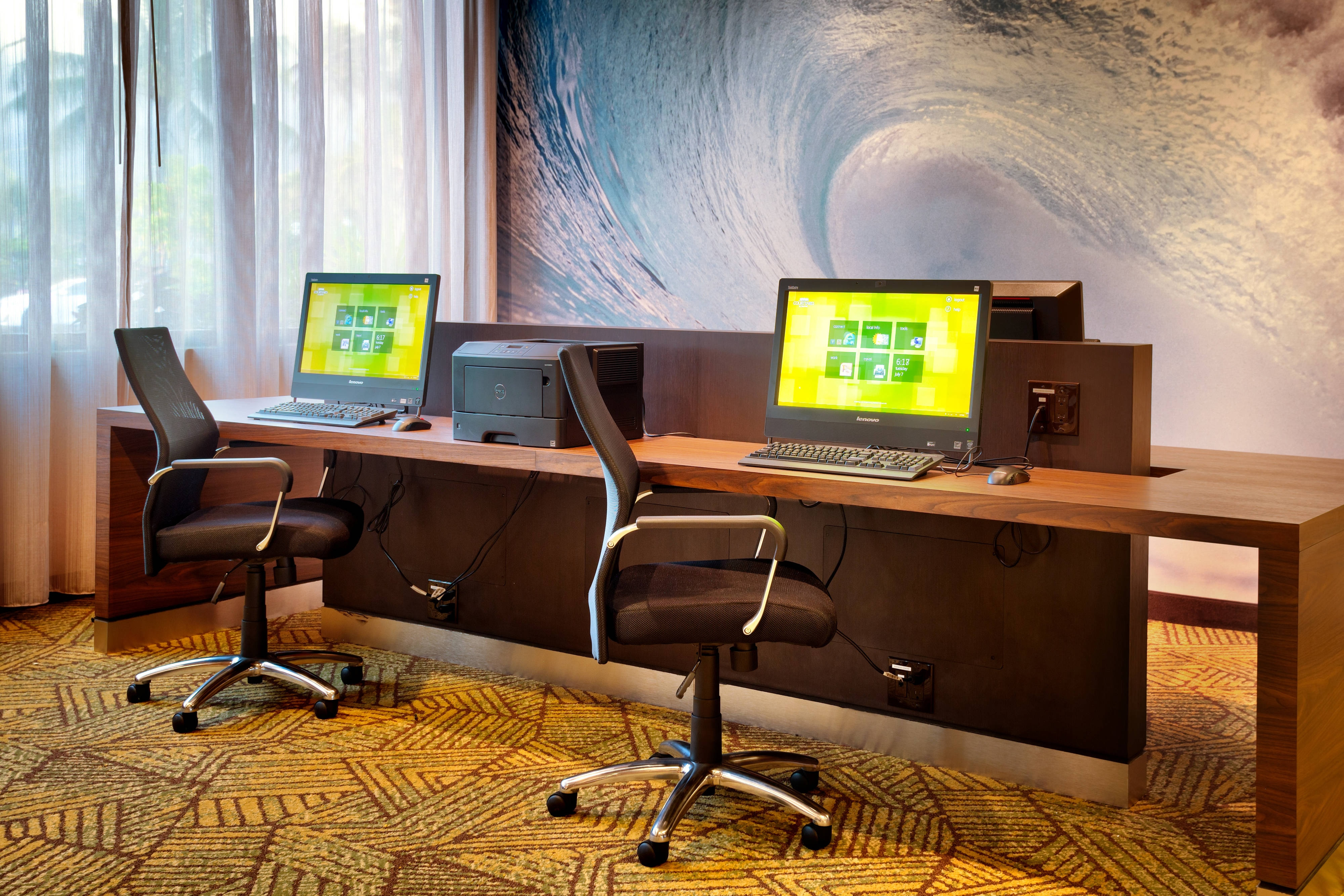 Oahu hotel business center