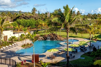 Oahu hotel outdoor pool