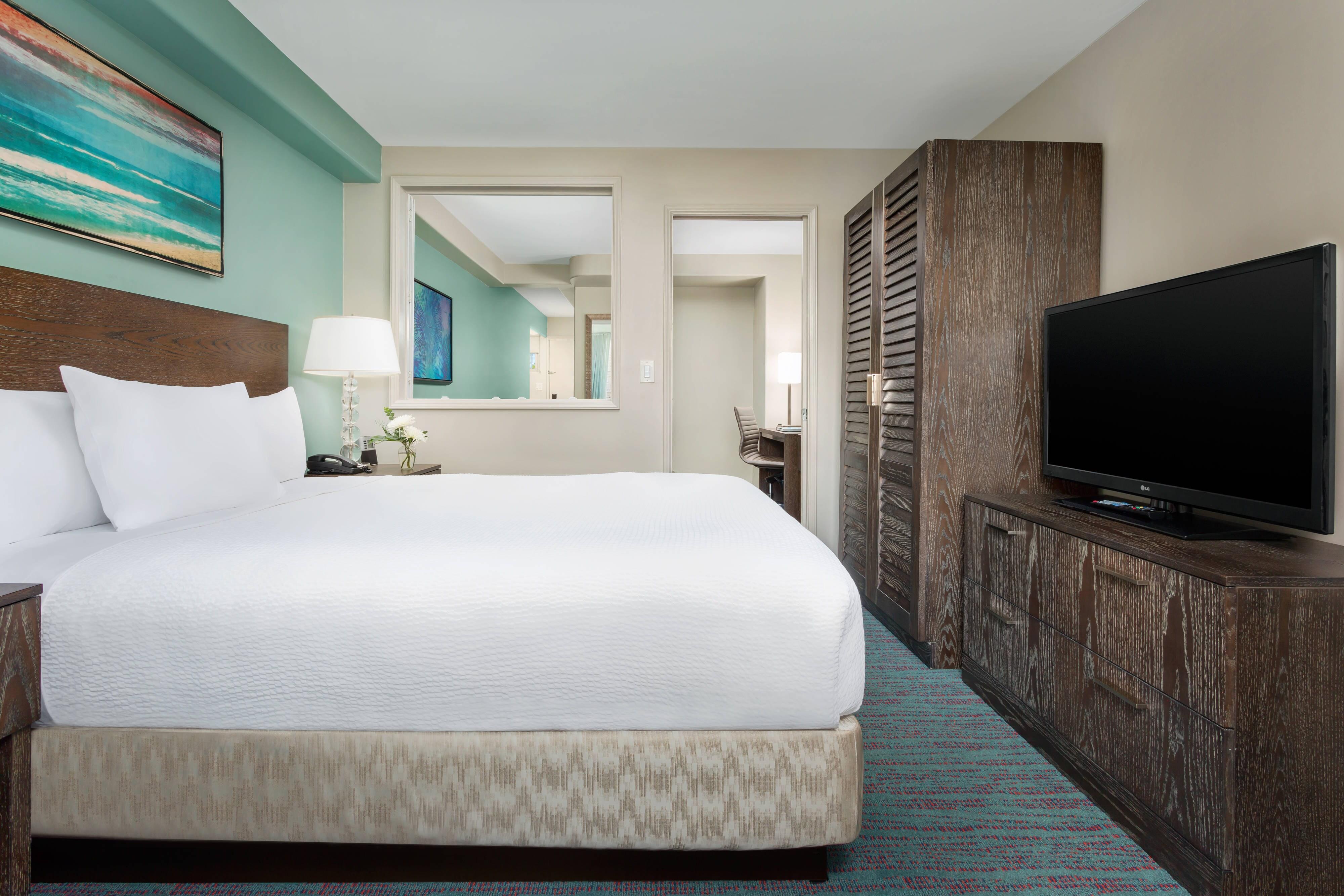 Waikiki One Bedroom Suite