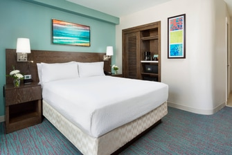 Oahu Standard Guest Room Bed