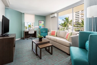 Honolulu Corner Suite