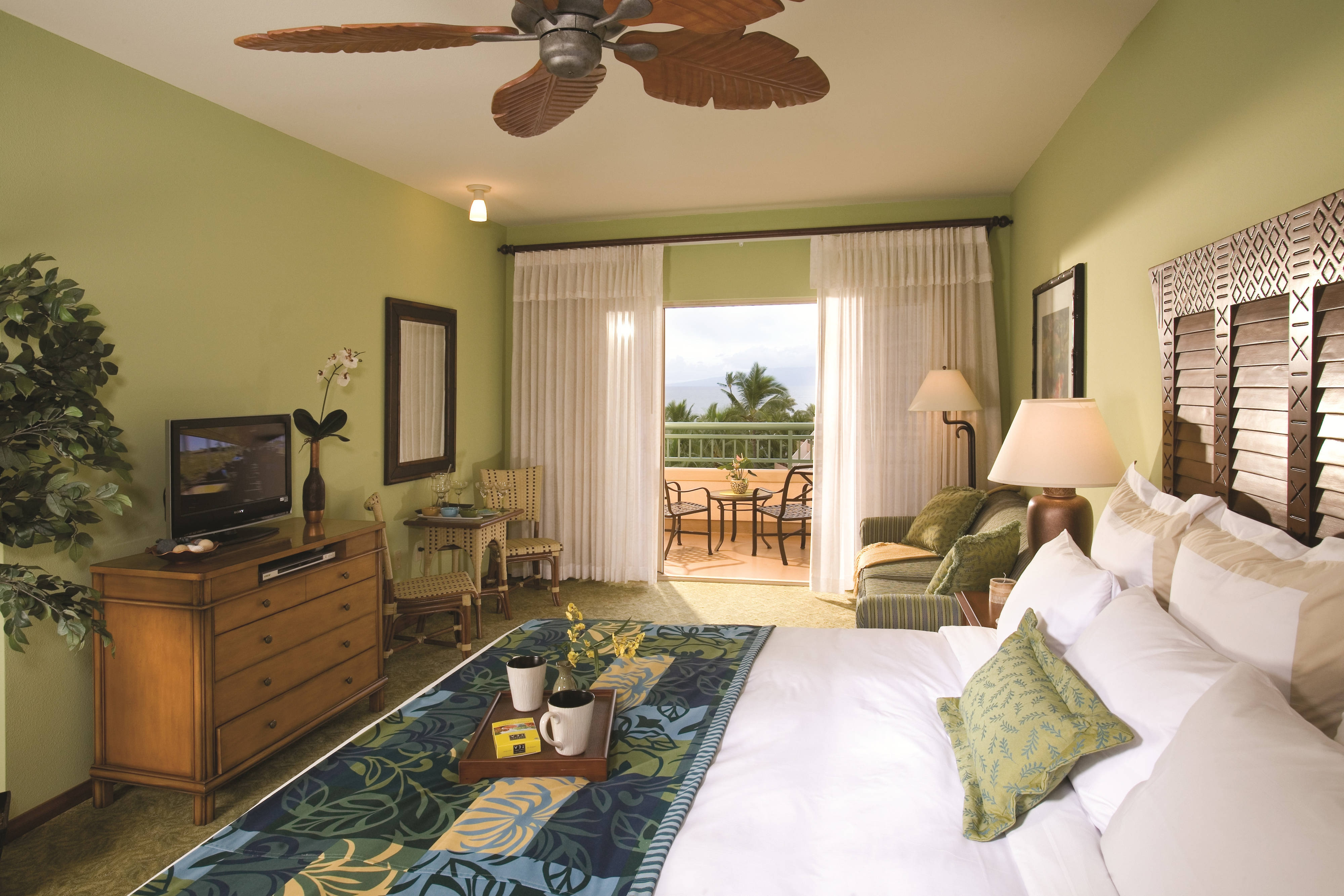 Lahaina Resort Guest Room
