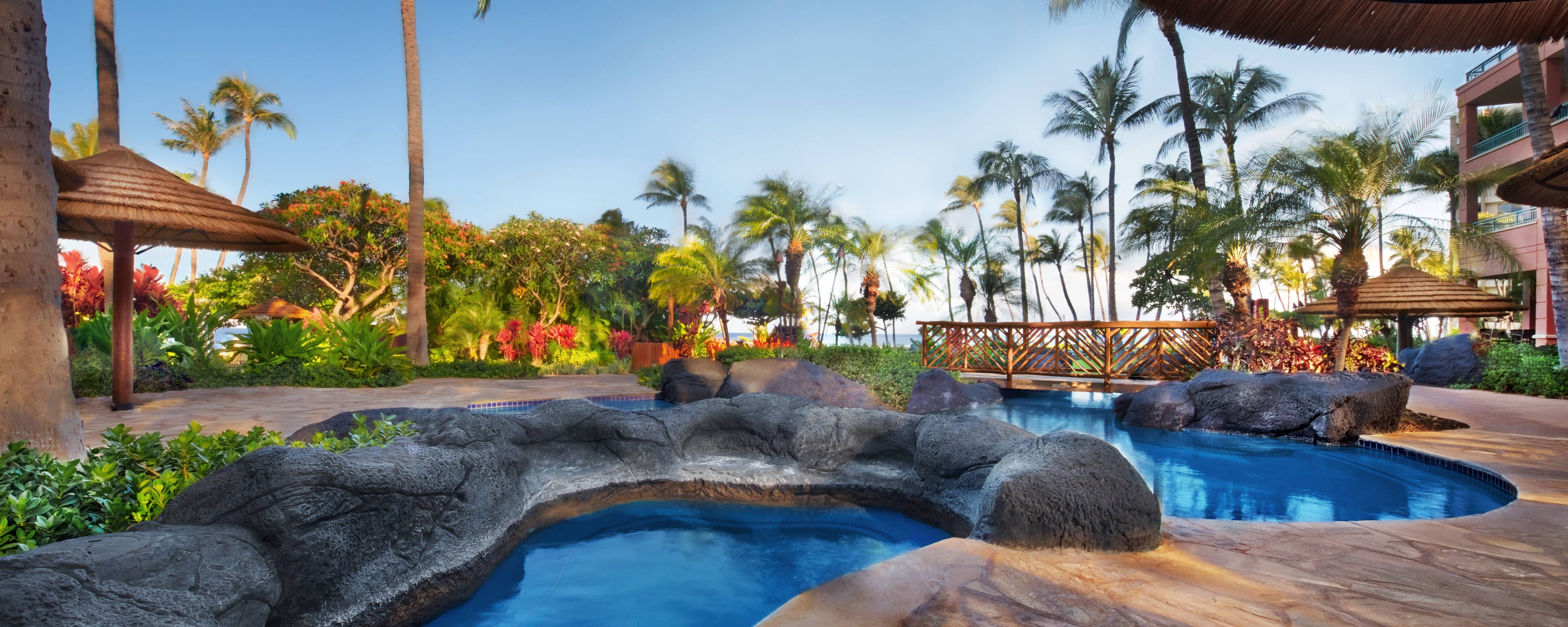 Kaanapali Beach Resort With Outdoor Pool Marriott S Maui