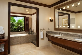 Ali'i Bathroom