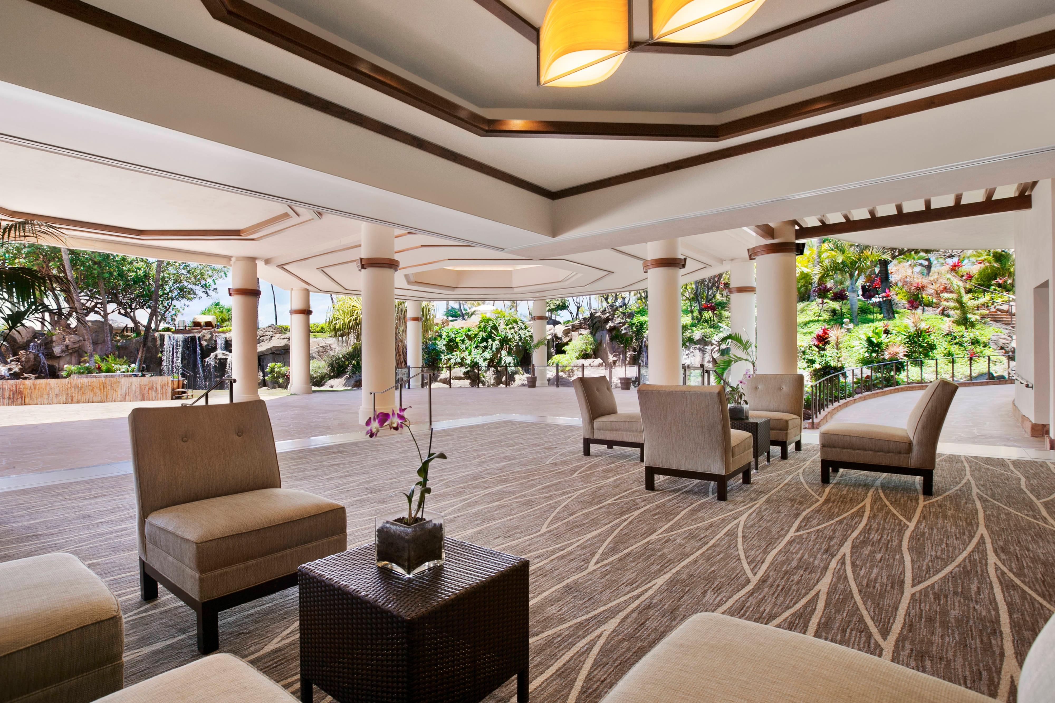 Aloha Pavilion Lounge