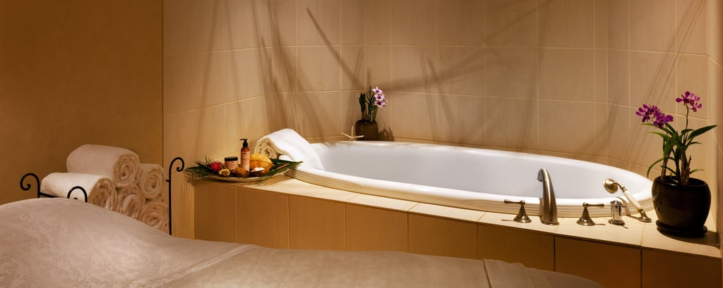 Spa - Tub Suite