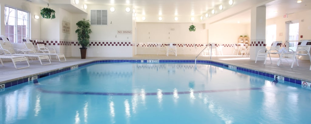 Houston Willlowbrook hotel indoor pool