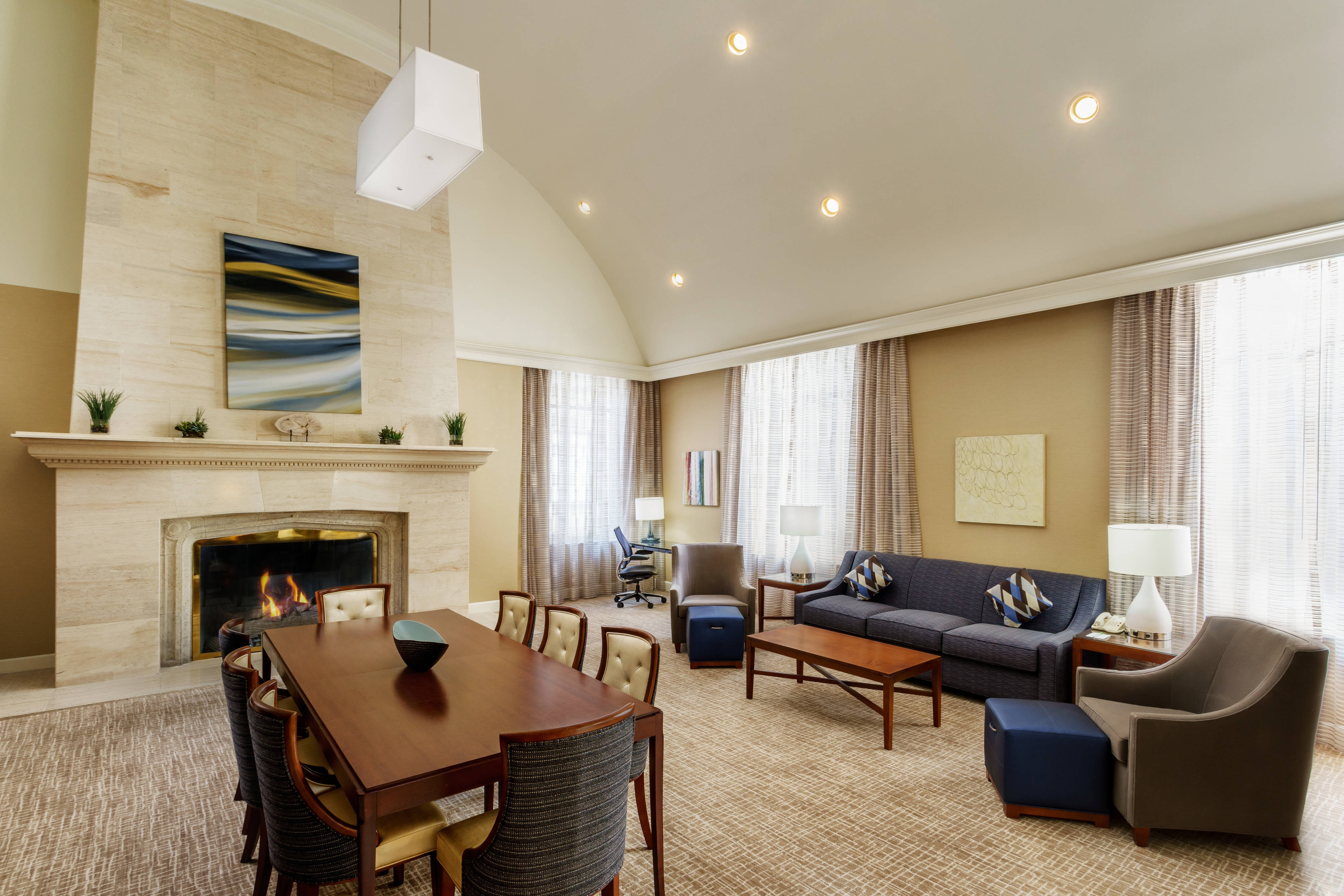 Downtown Houston Hotel Presidential Suite