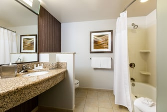 Houston Galleria Hotel Bathroom
