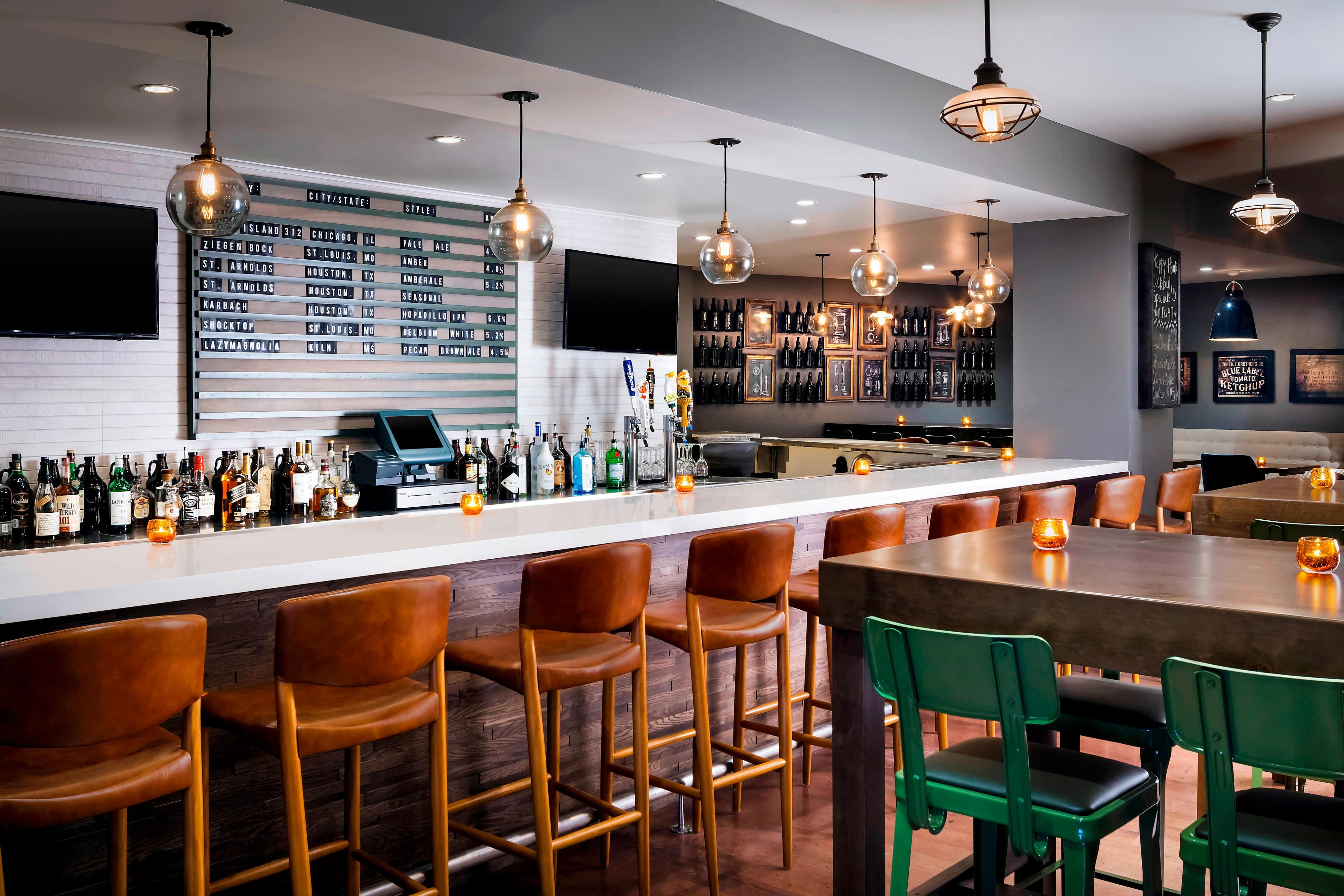 Upper Kirby TapRoom Bar