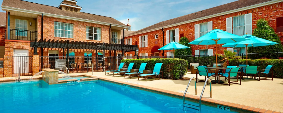 Houston Galleria Hotel with Pool