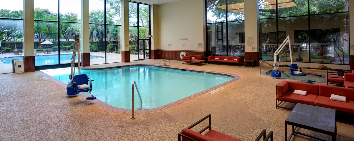 Houston, TX hotels with pool