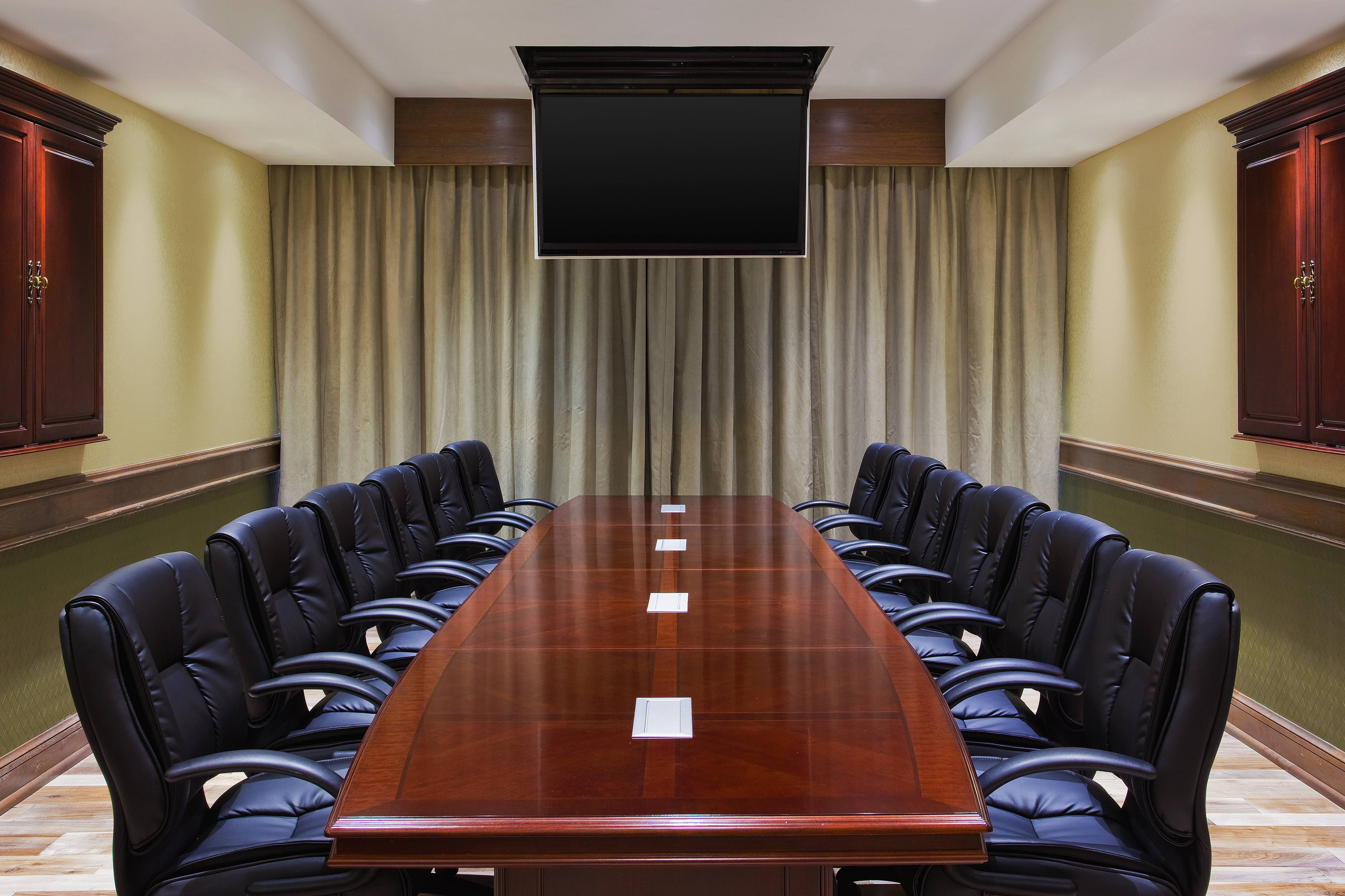 River Oaks Boardroom