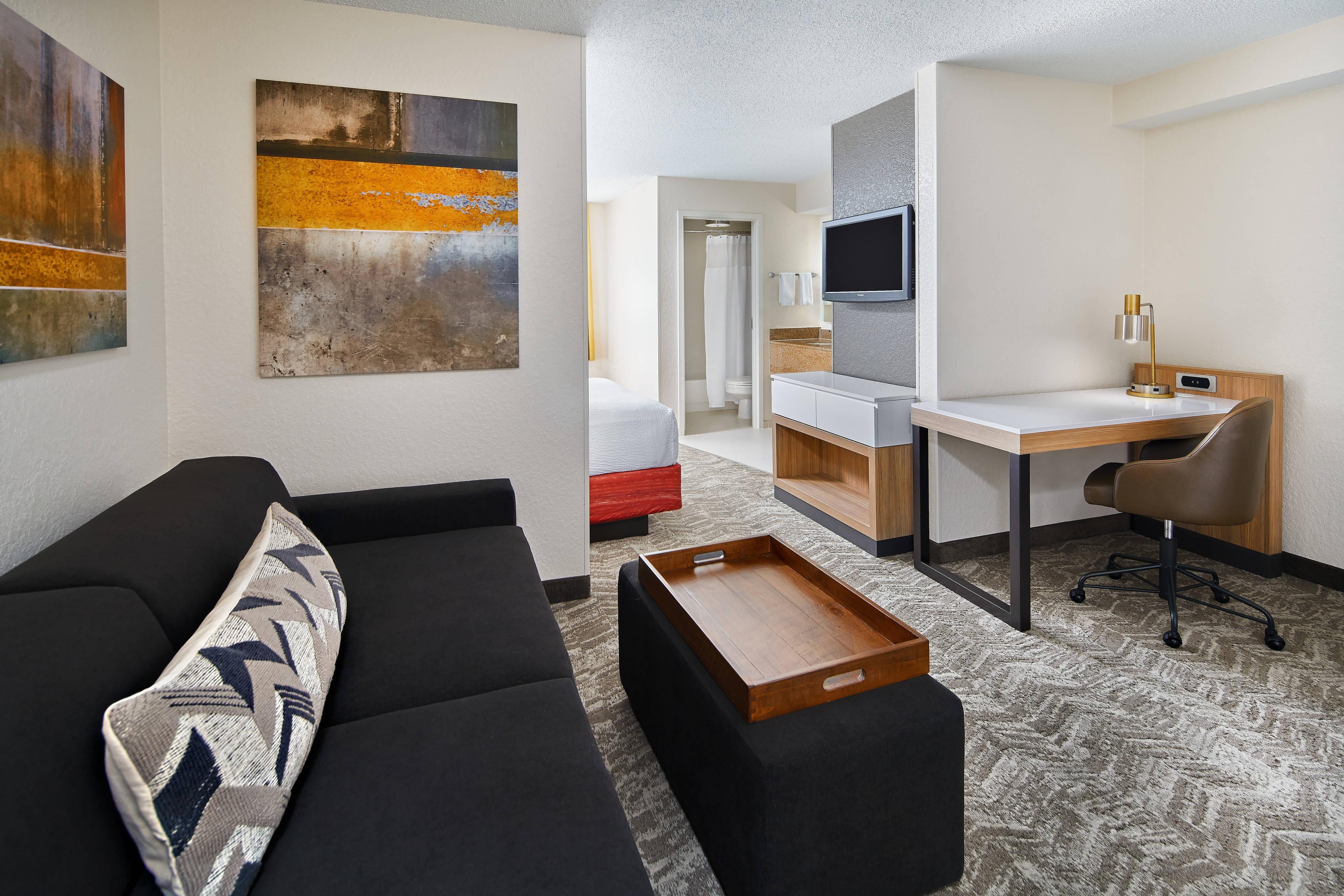 Suite con dos camas dobles - Sala de estar
