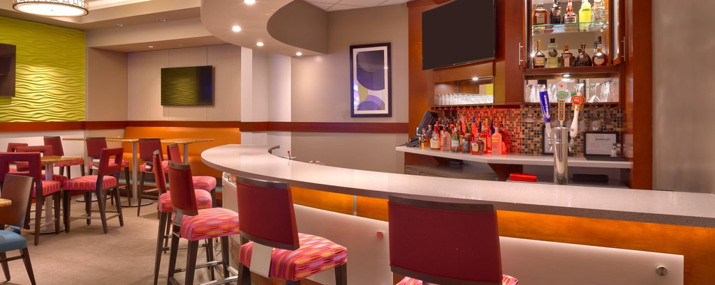Bar du SpringHill Suites Houston I-45 North