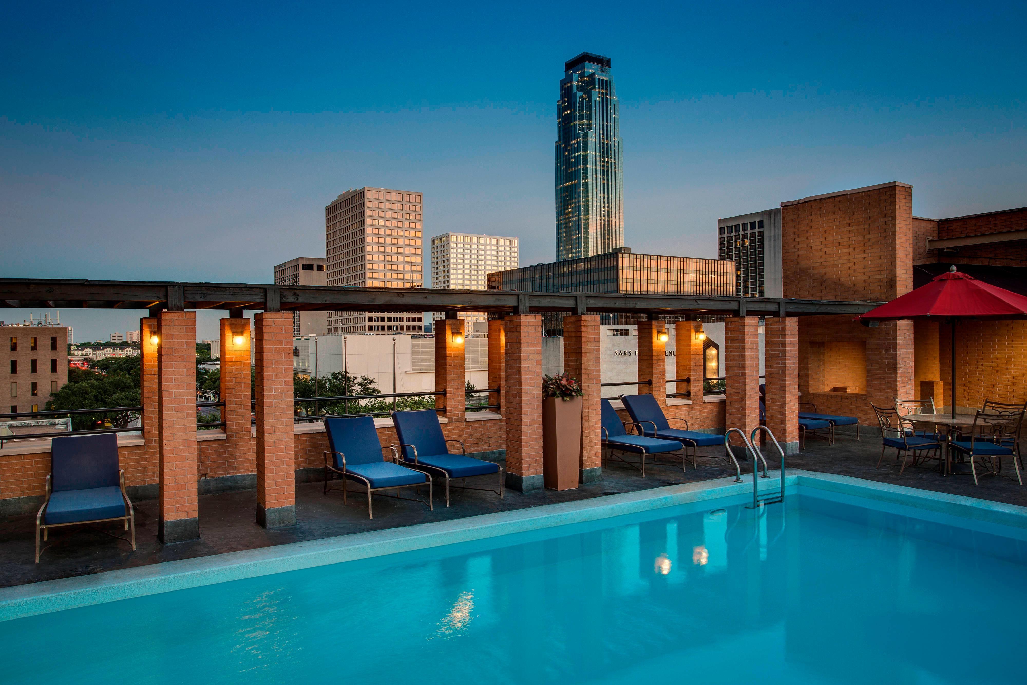 Houston rooftop pool