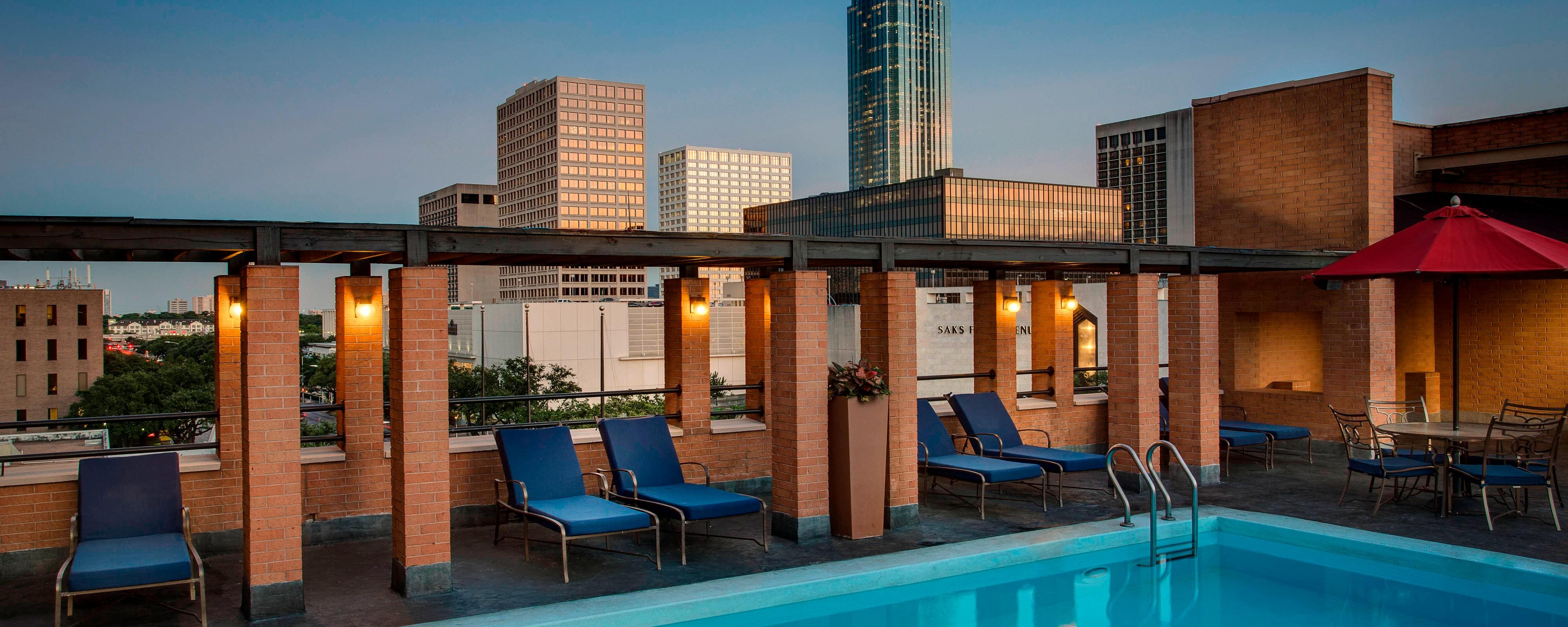 Houston rooftop pool
