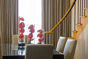 Hotels in Houston Presidential Suite