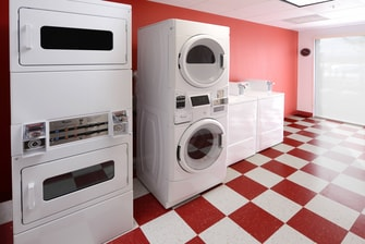 Houston Hotels with Laundry Facility