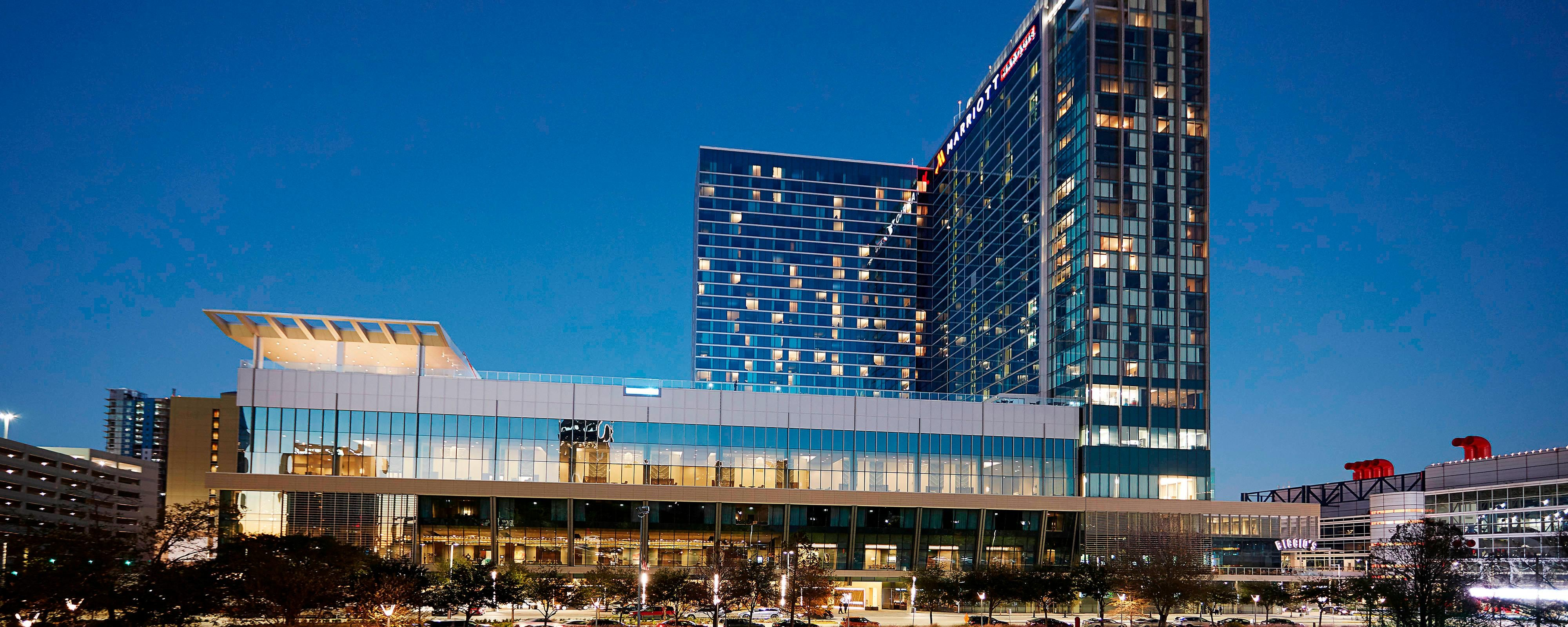 Hotel in Downtown Houston, TX - Convention Center | Marriott