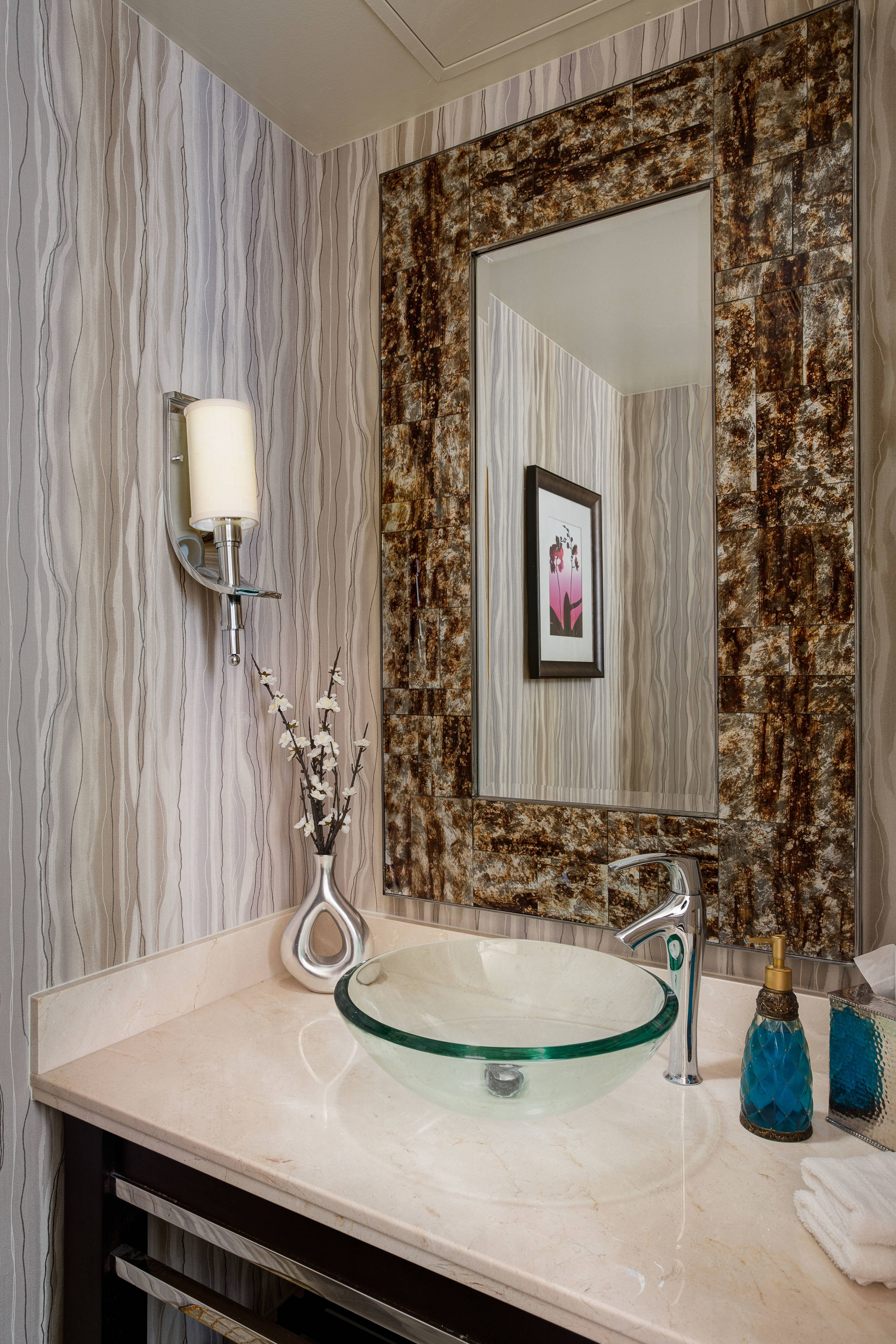Presidential Suite Powder Room