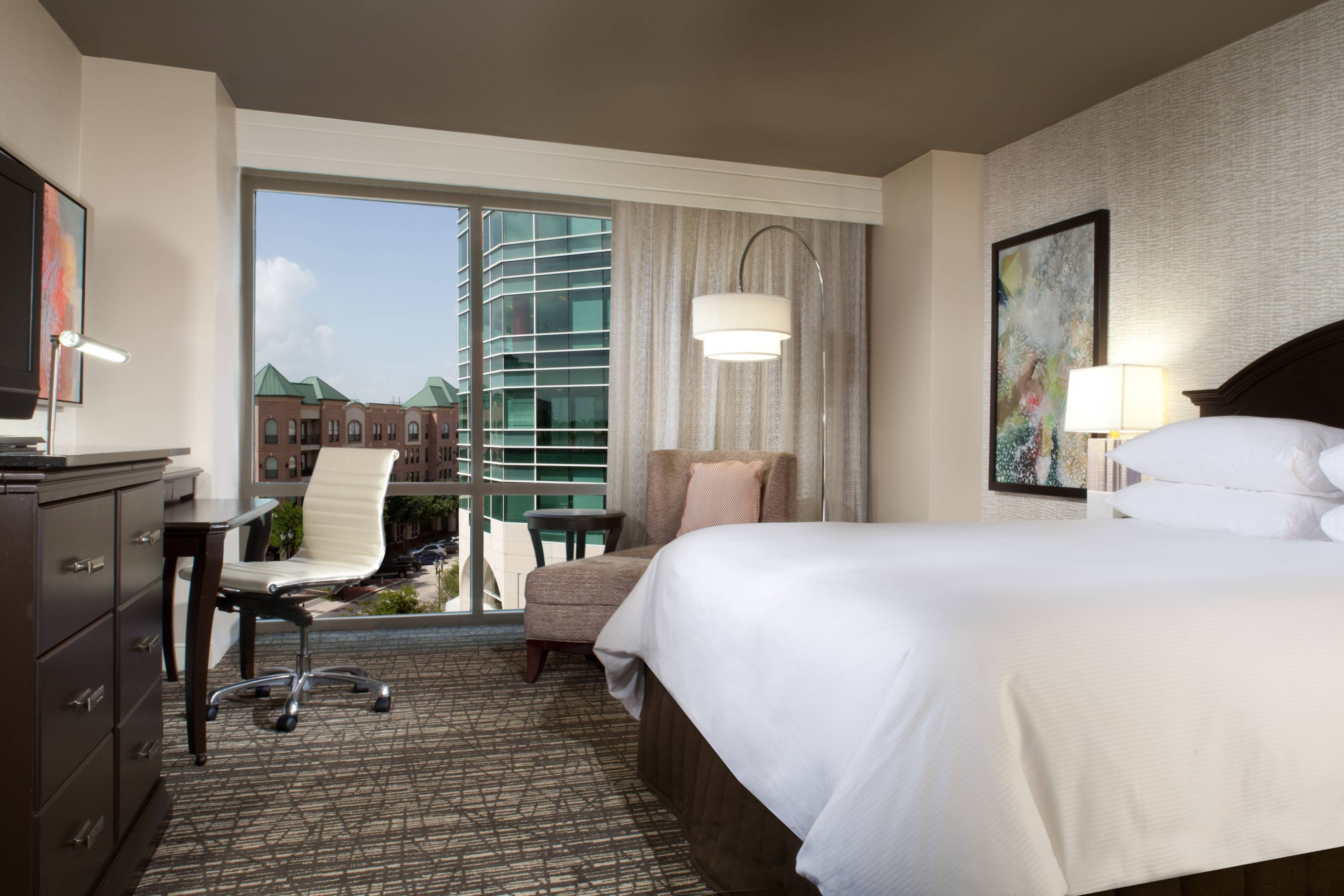 executive floor guest rooms in sugar land
