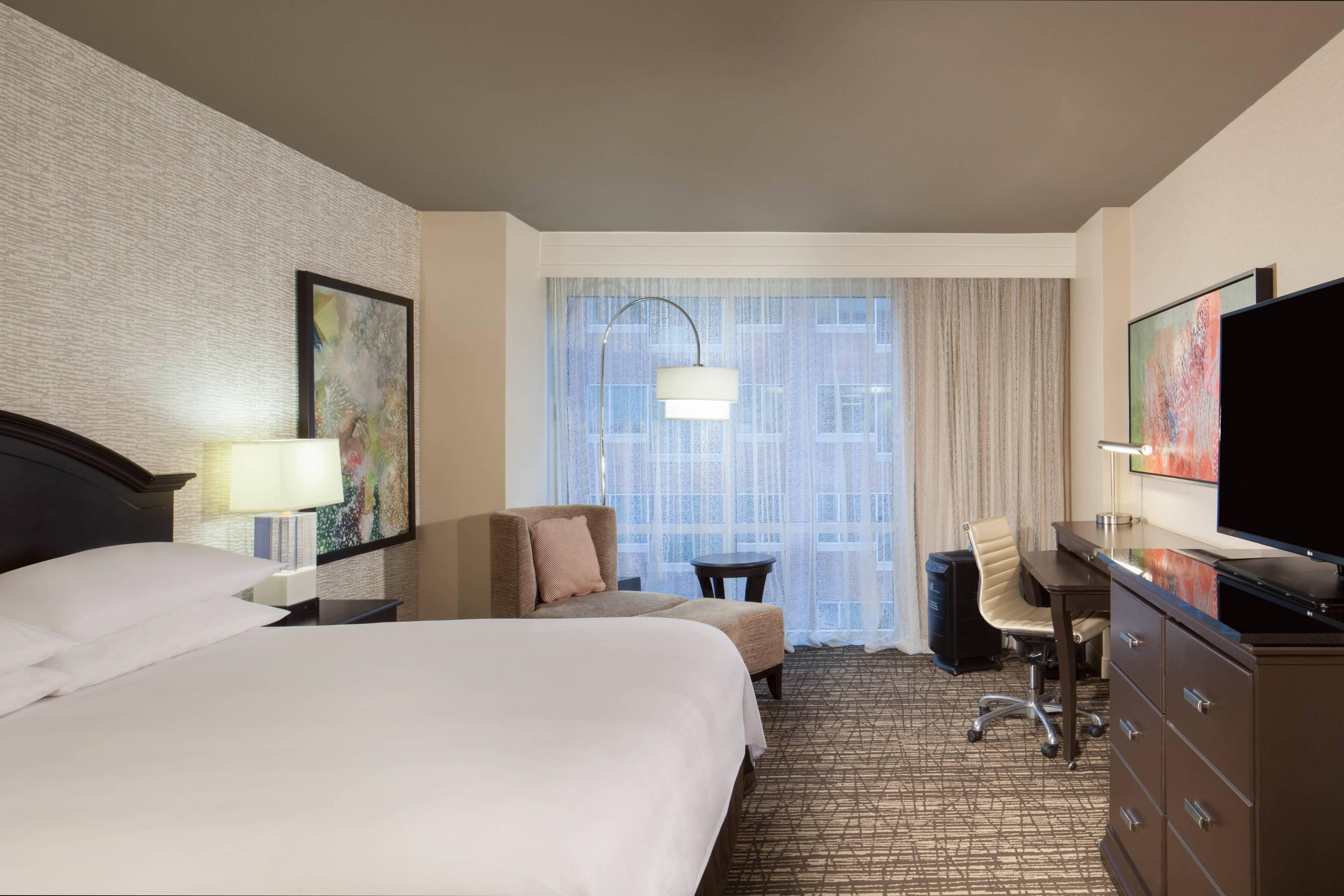 King PURE Wellness Guest Room