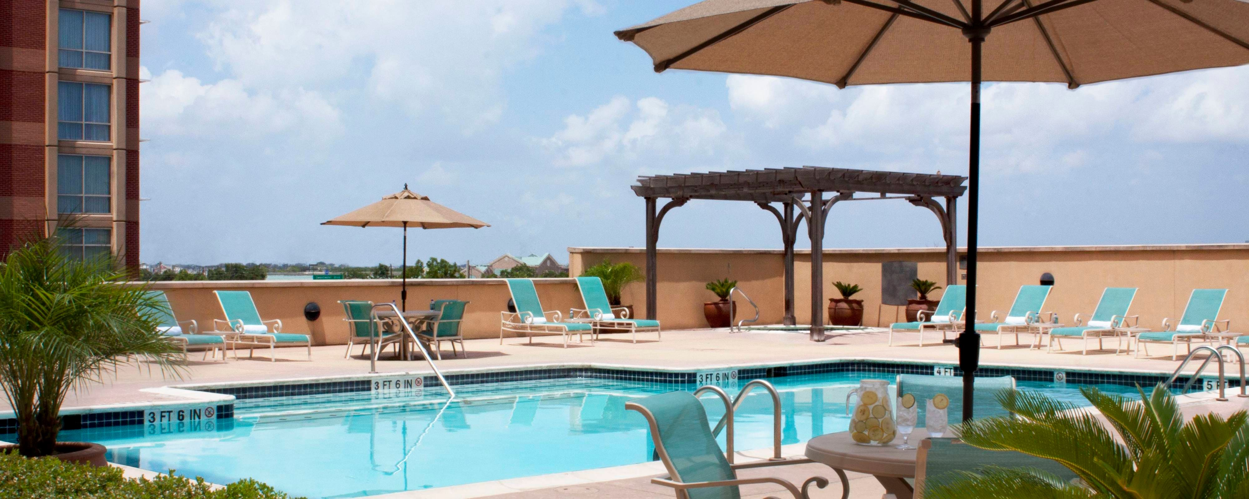Marriott Sugar Land outdoor pool