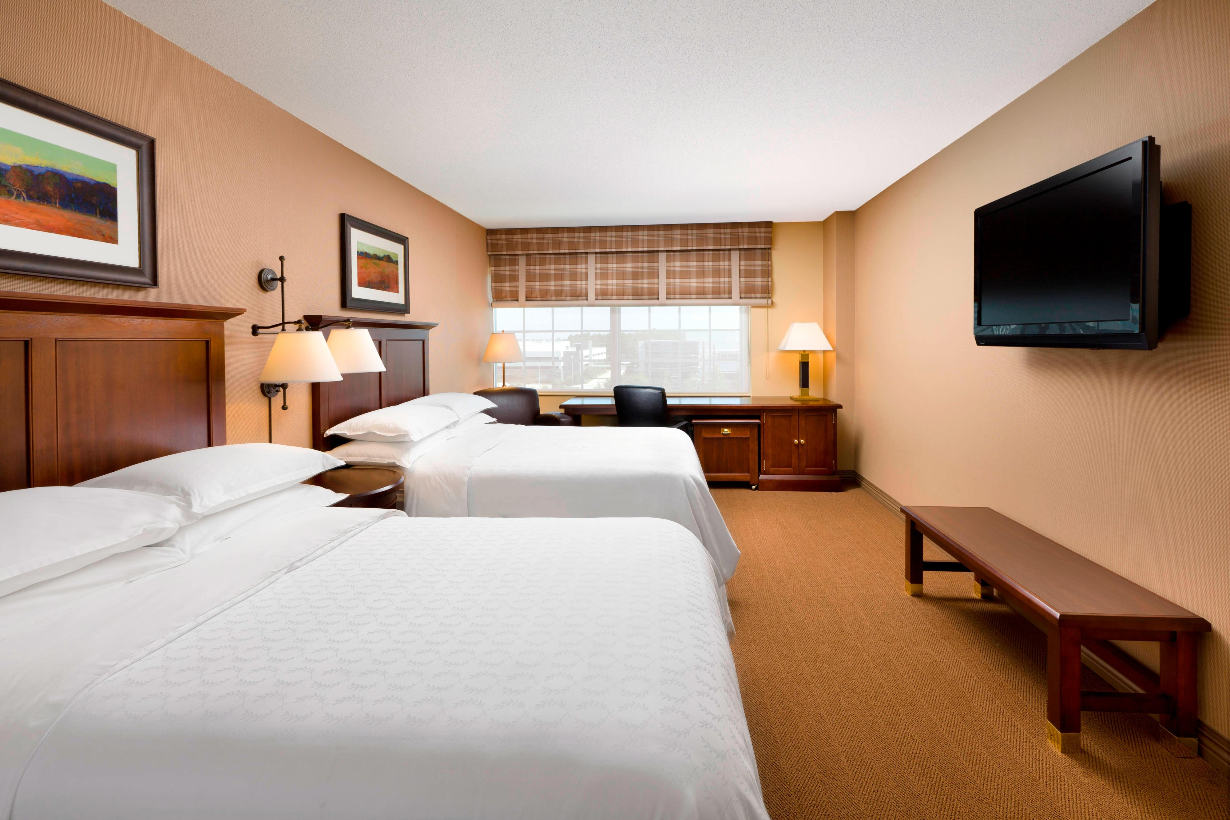 Club Level Double/Double Guest Room