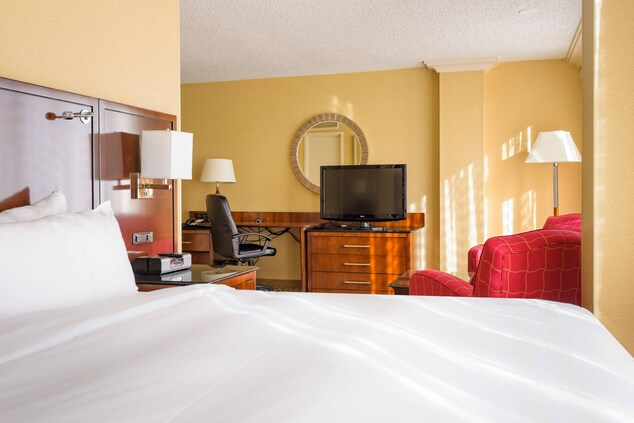 large guest rooms in Houston