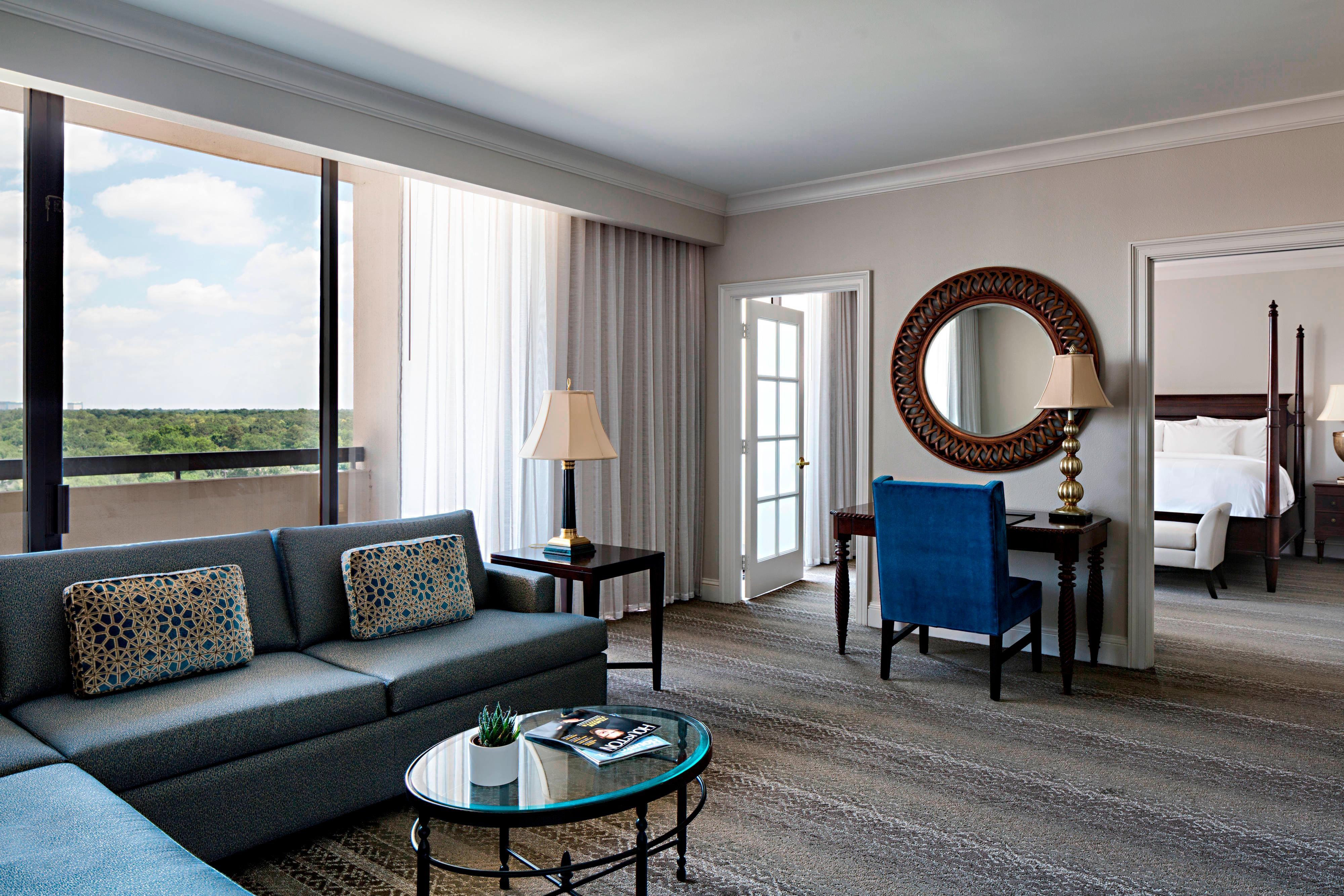 Royal Oaks Suite
