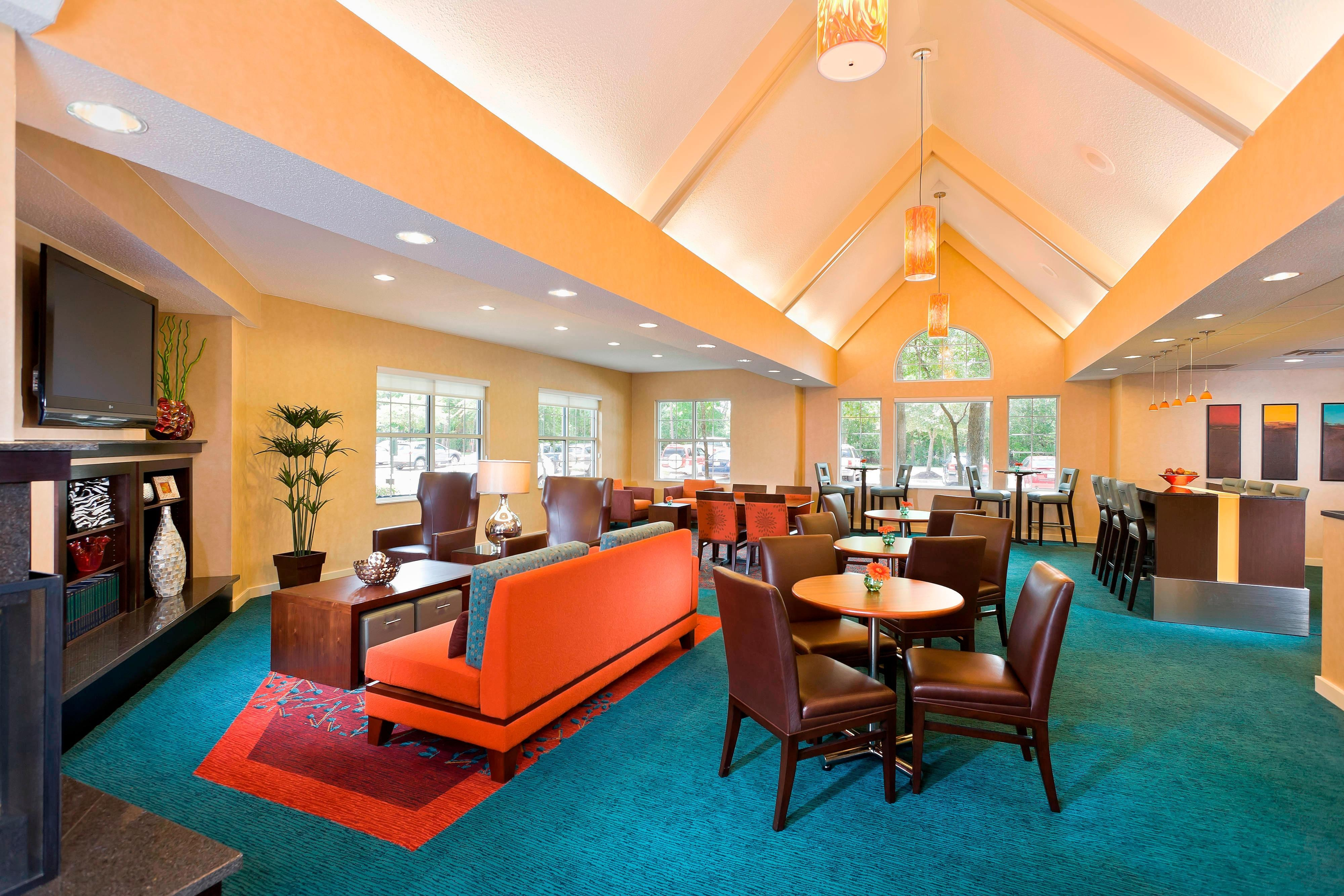 Gatehouse dining and lounge area