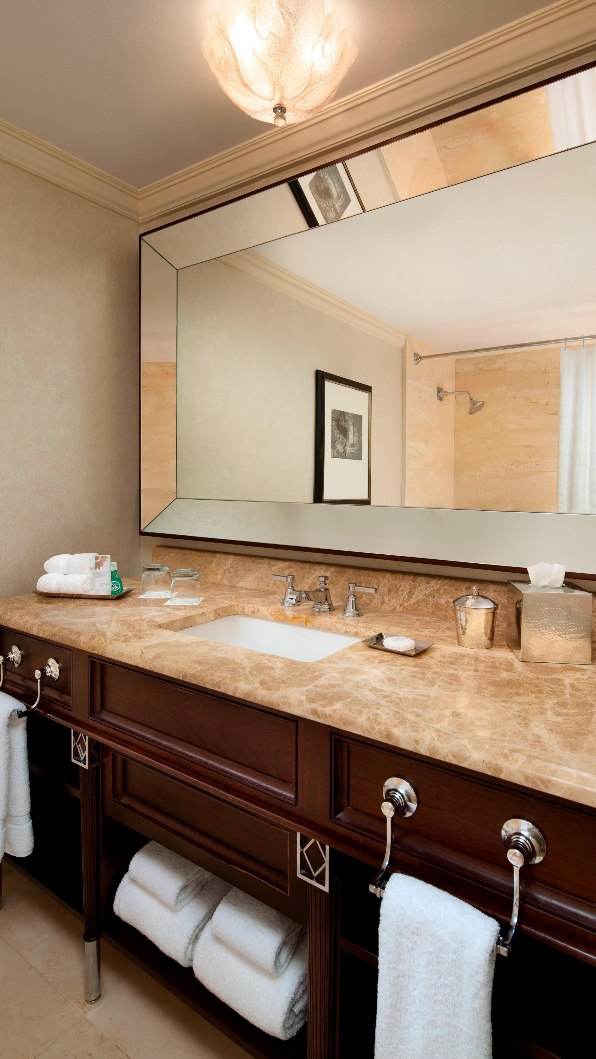 Superior - Deluxe Room Bathroom