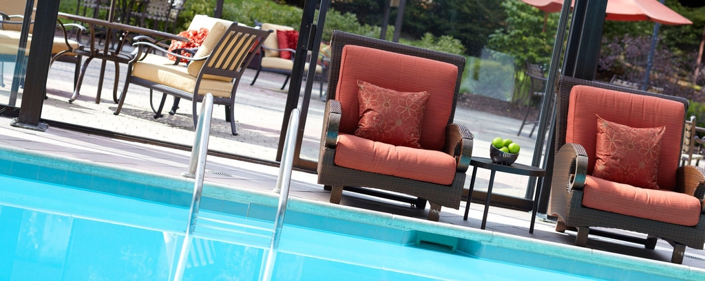 Weschester Hotel pool