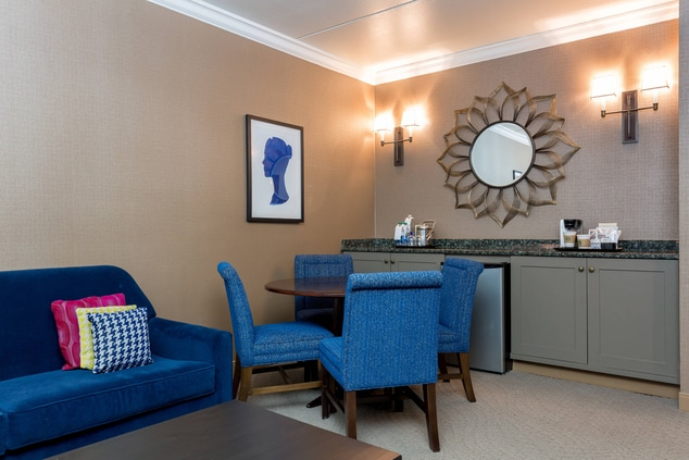 Living Suite Table Kitchenette
