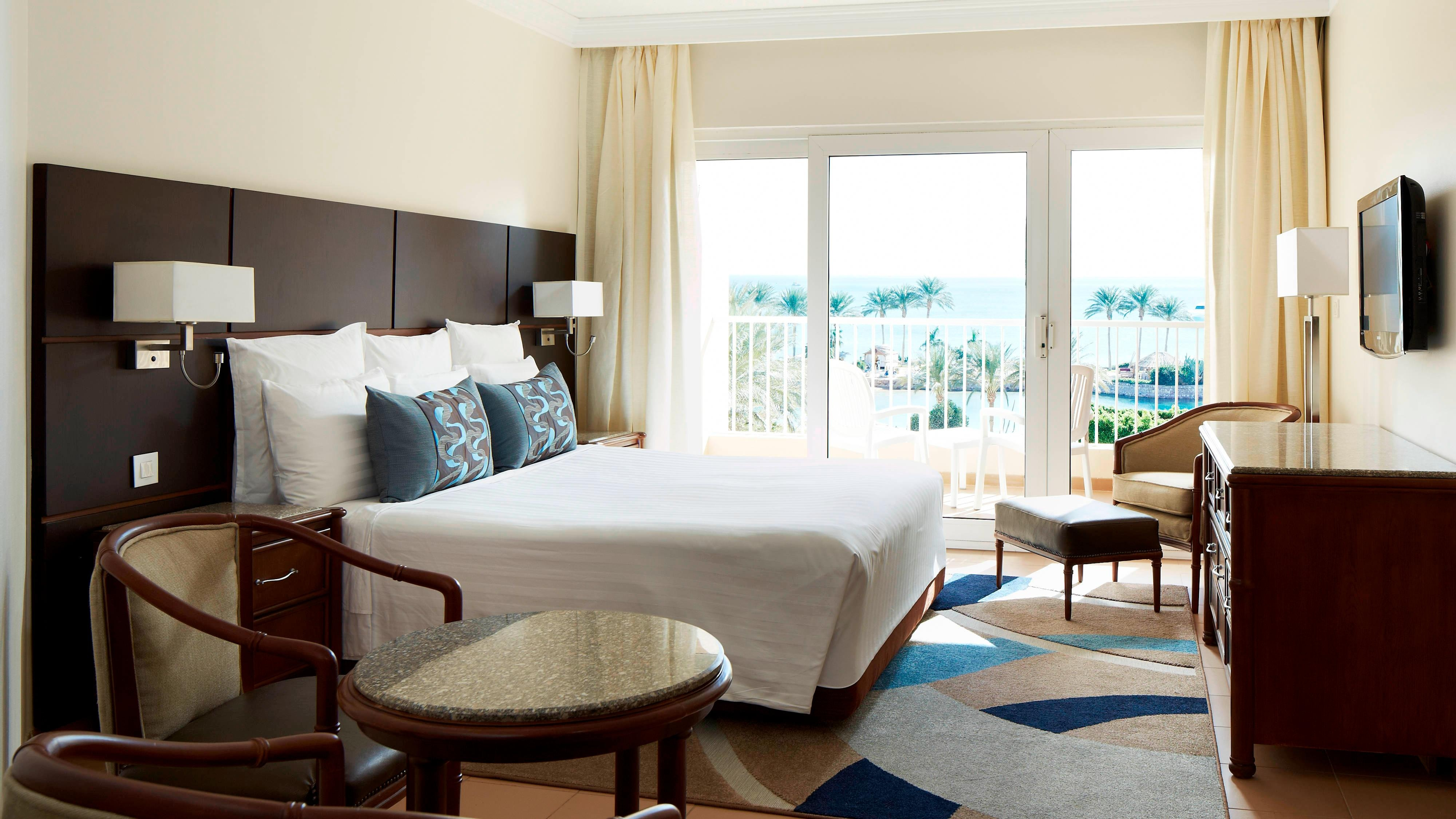 Deluxe King  Sea View Guest Room