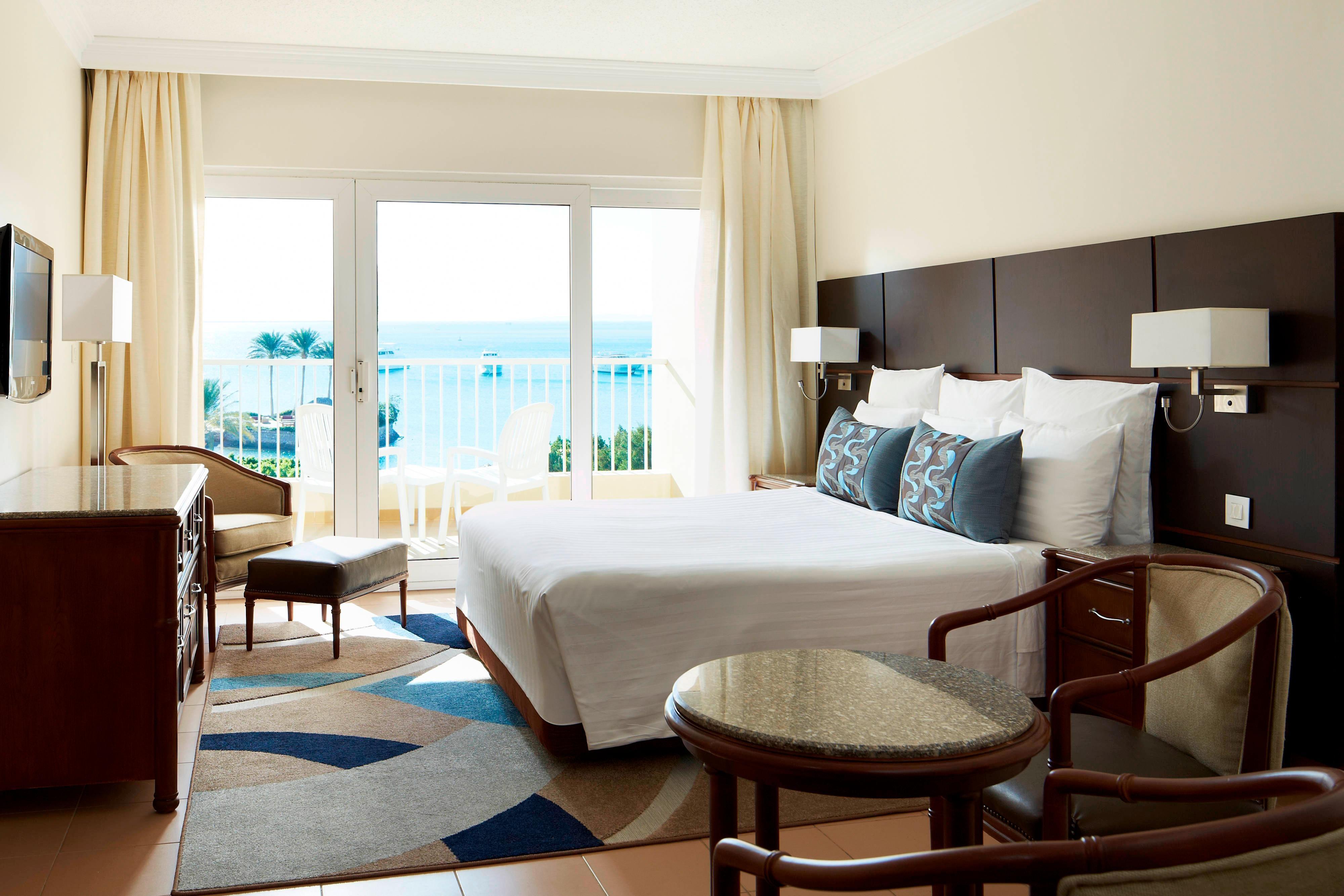 Chambre standard avec très grand lit-vue sur la mer