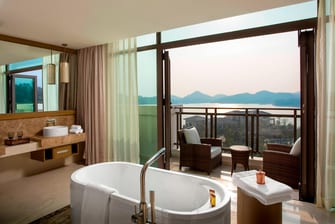 Sheraton Suite - Bathroom