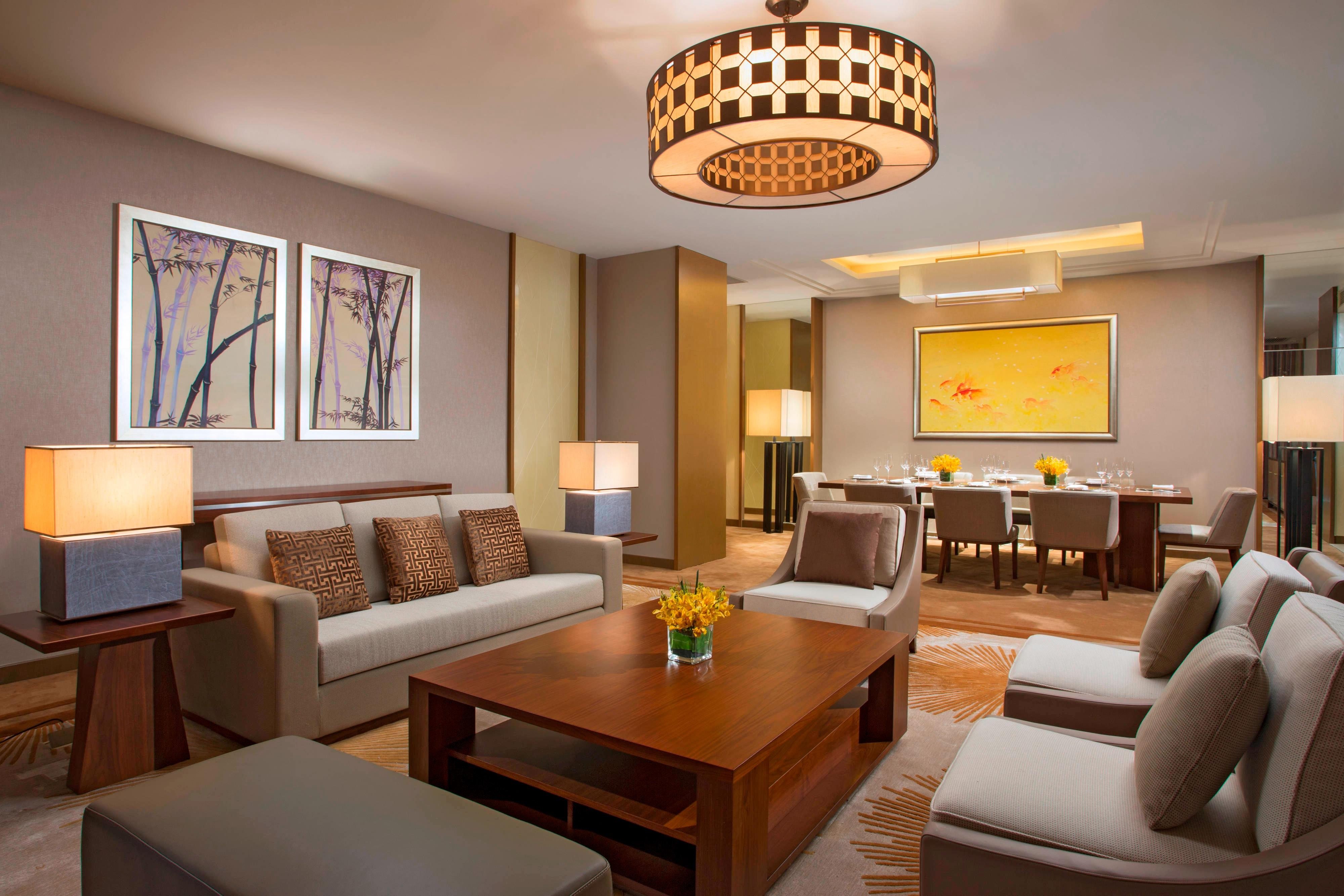 Sheraton Suite - Living Room