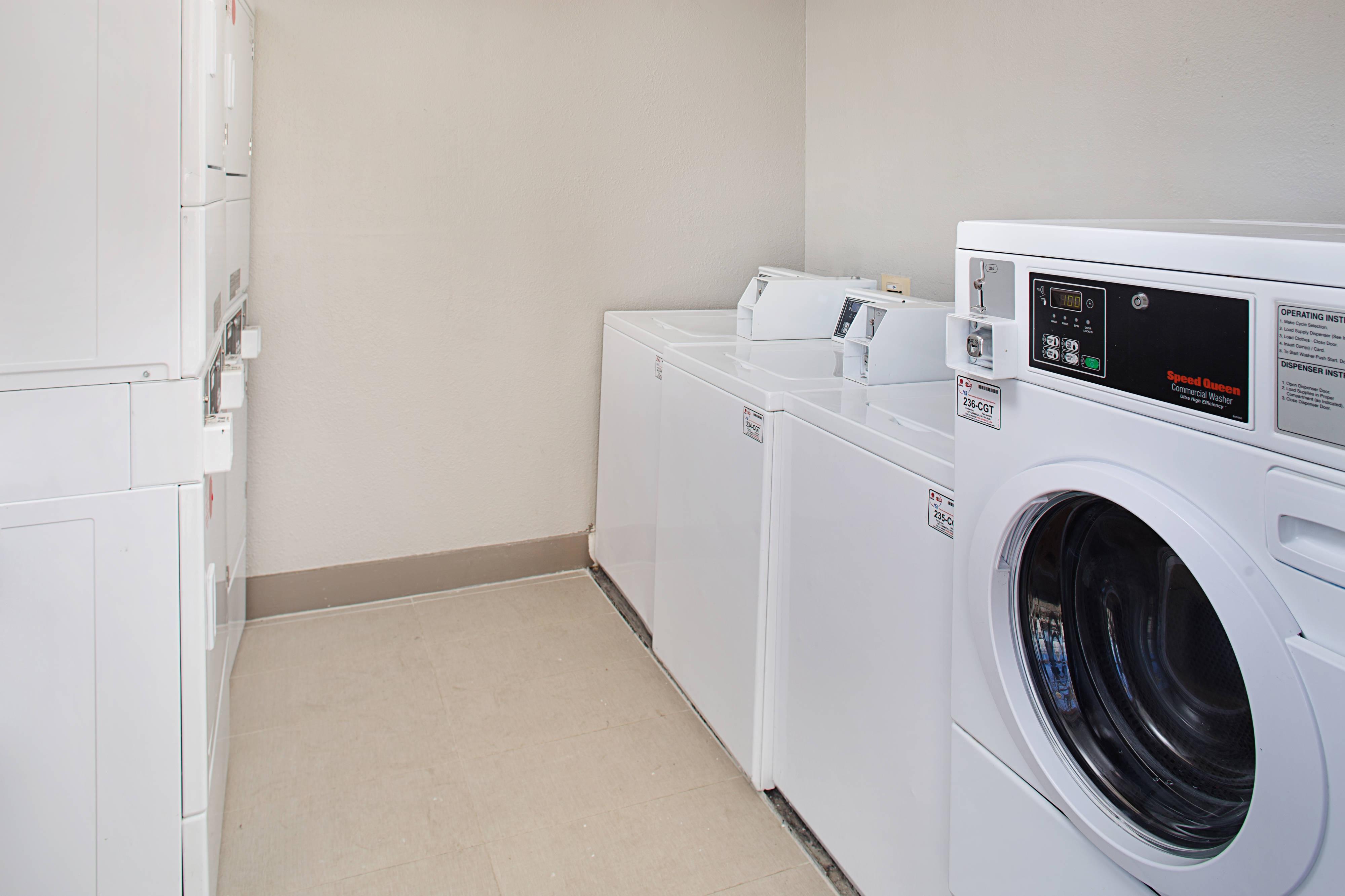 Shelton hotels with laundry service
