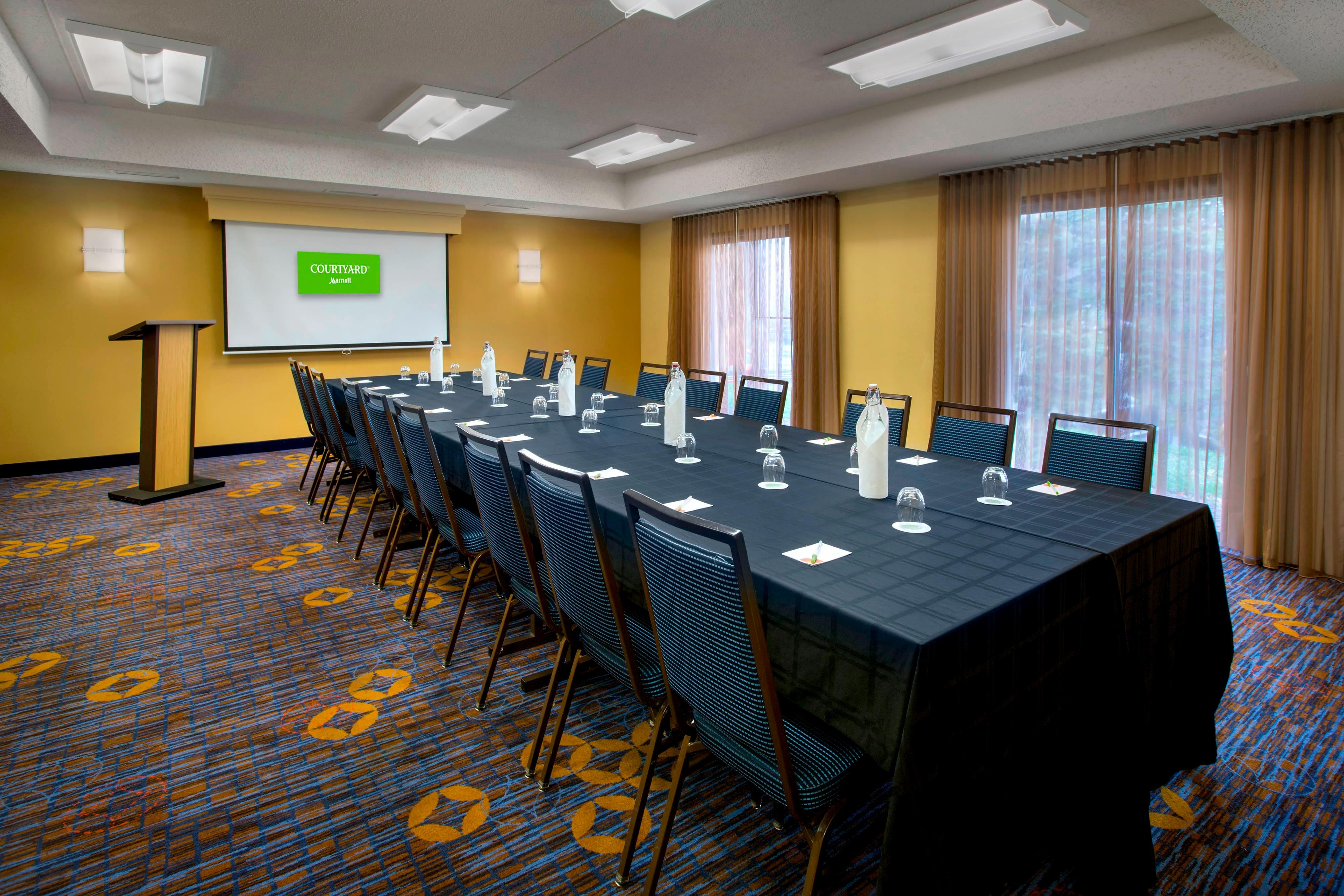 Meeting Room – Conference Setup