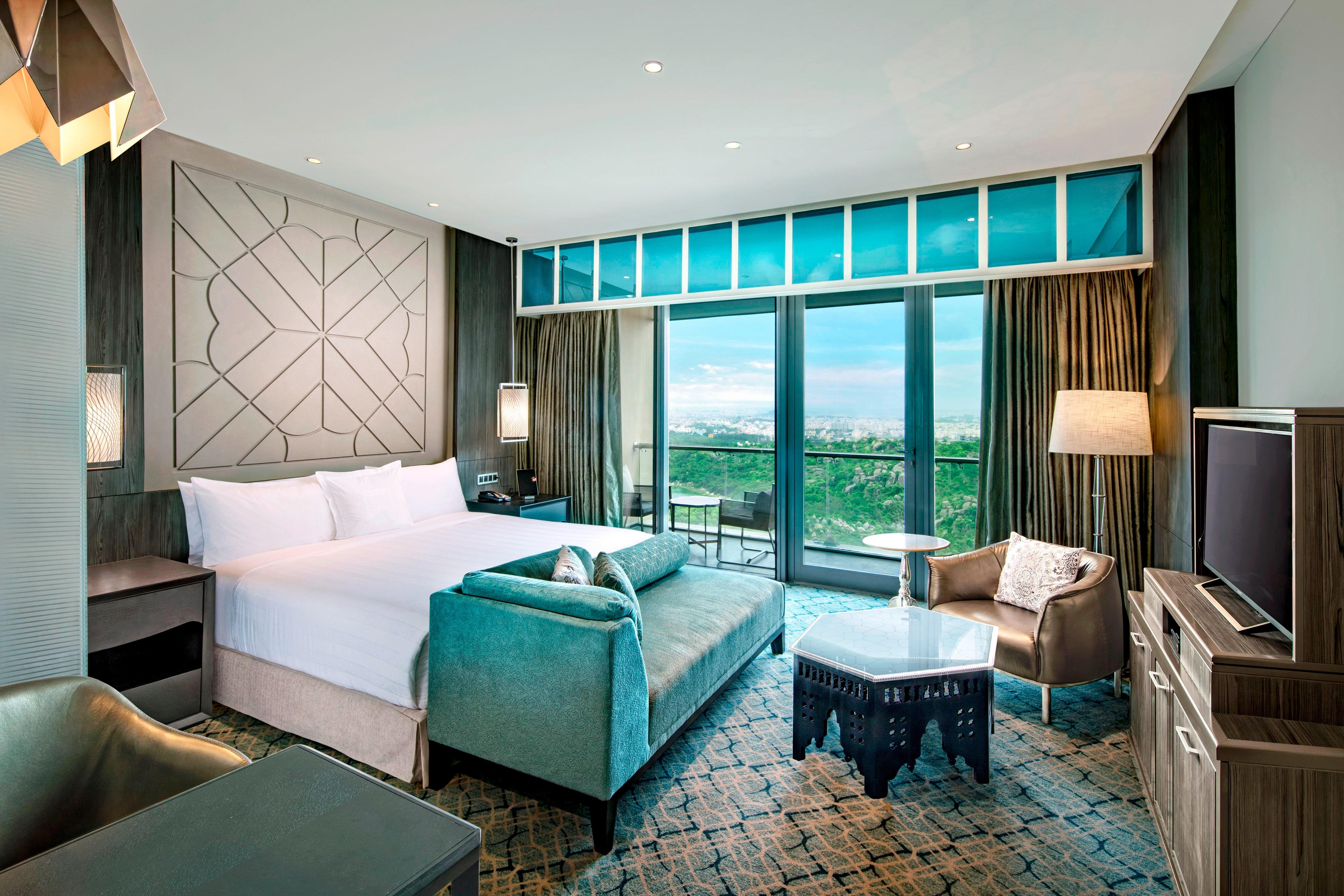 King Executive Club Guest Room
