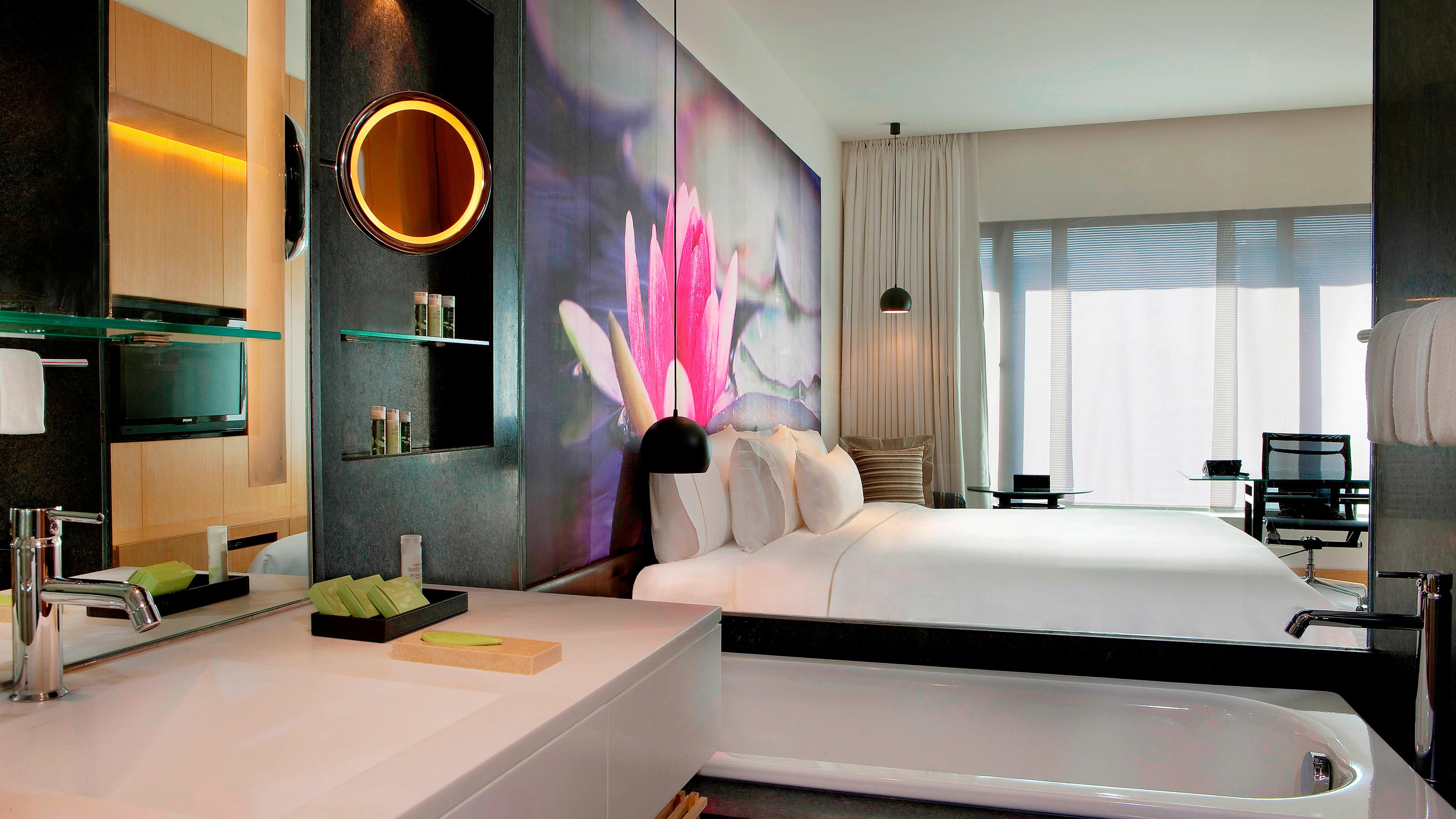 Contemporary Deluxe Room