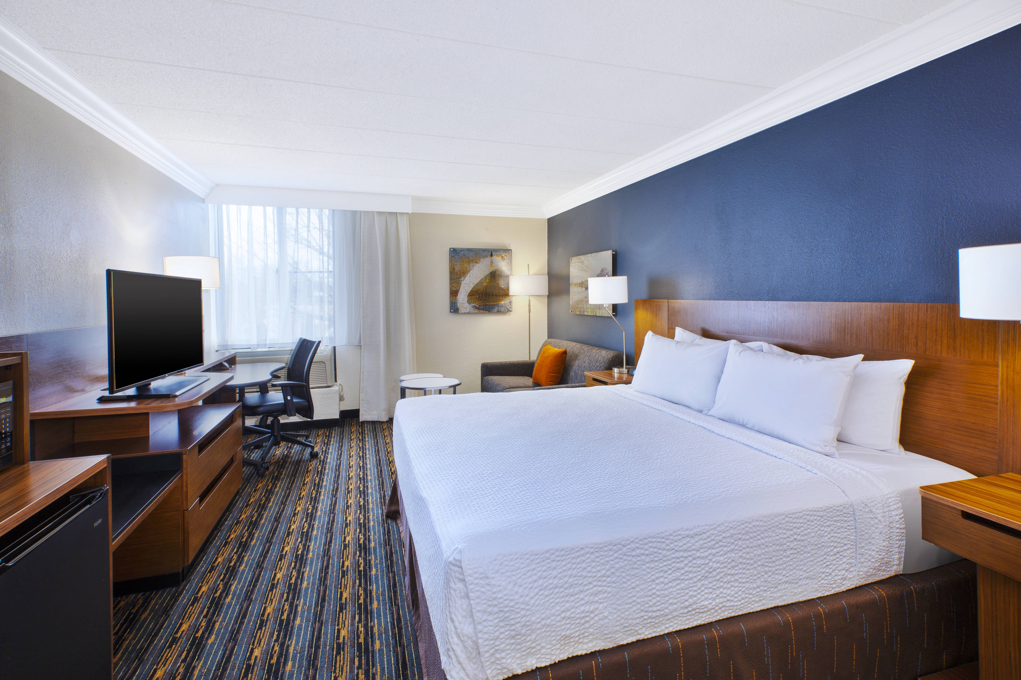 Dulles Airport Hotels With  Hour Shuttle