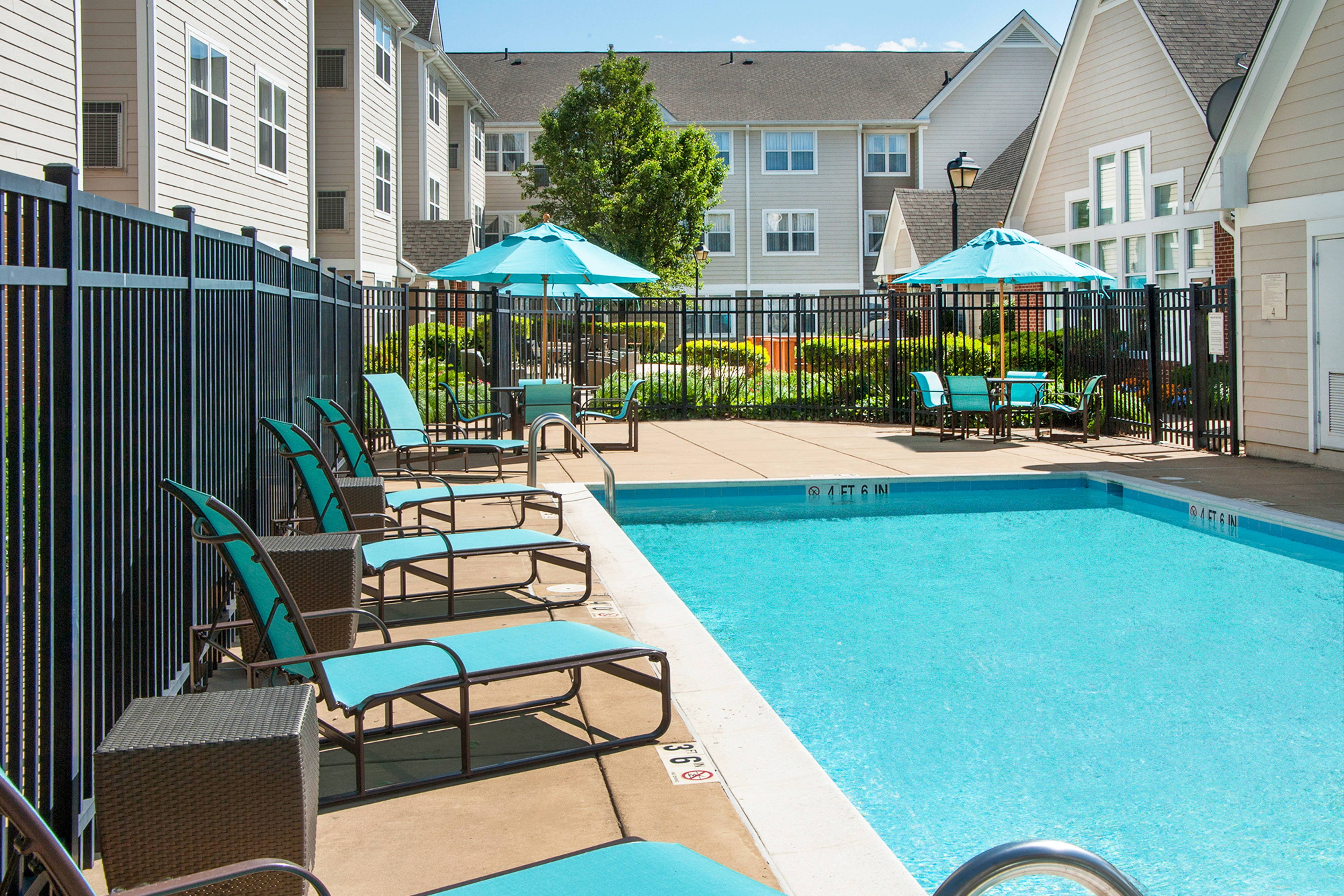 Residence Inn Fair Lakes Fairfax with Pool