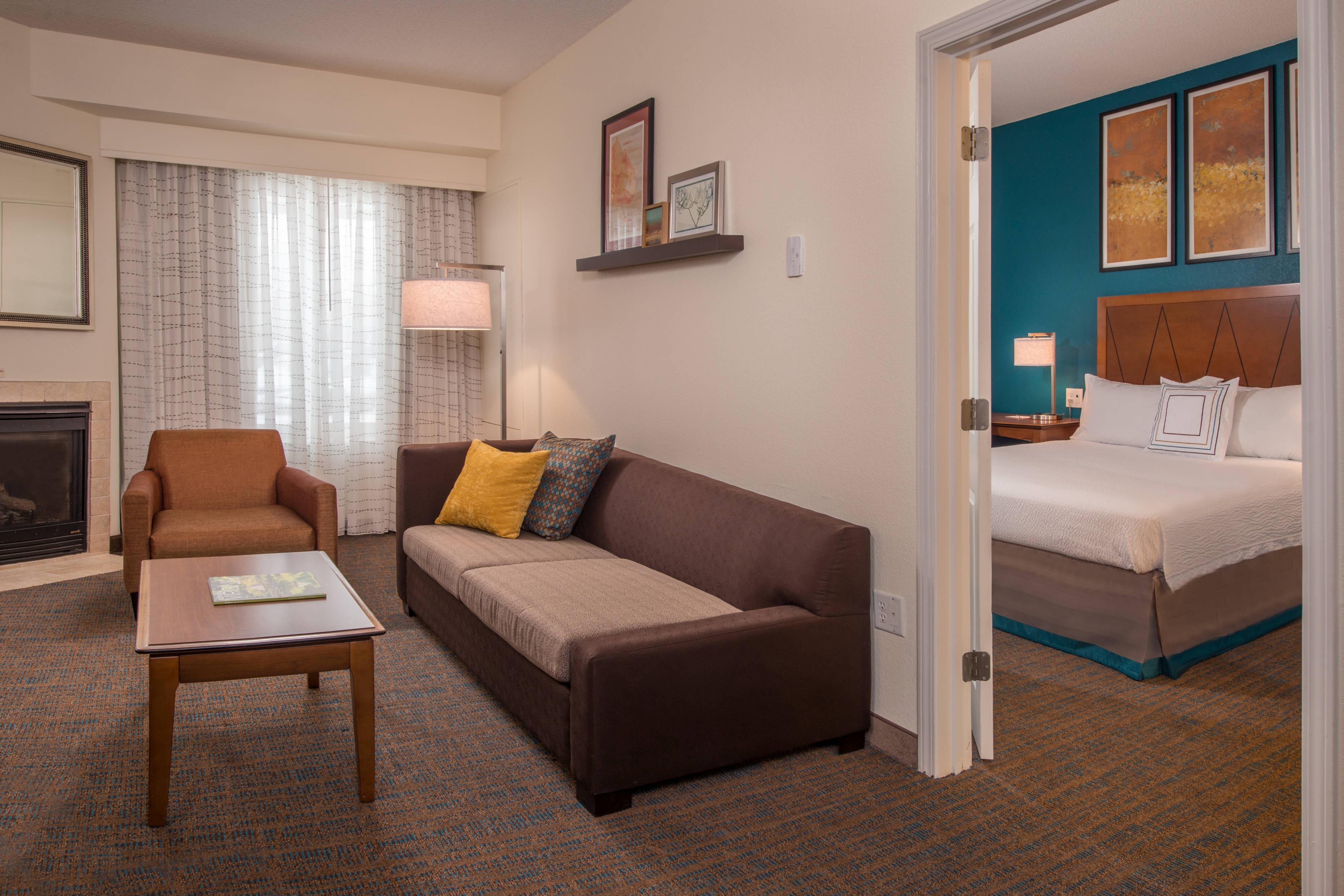Suite de dos dormitorios con chimenea
