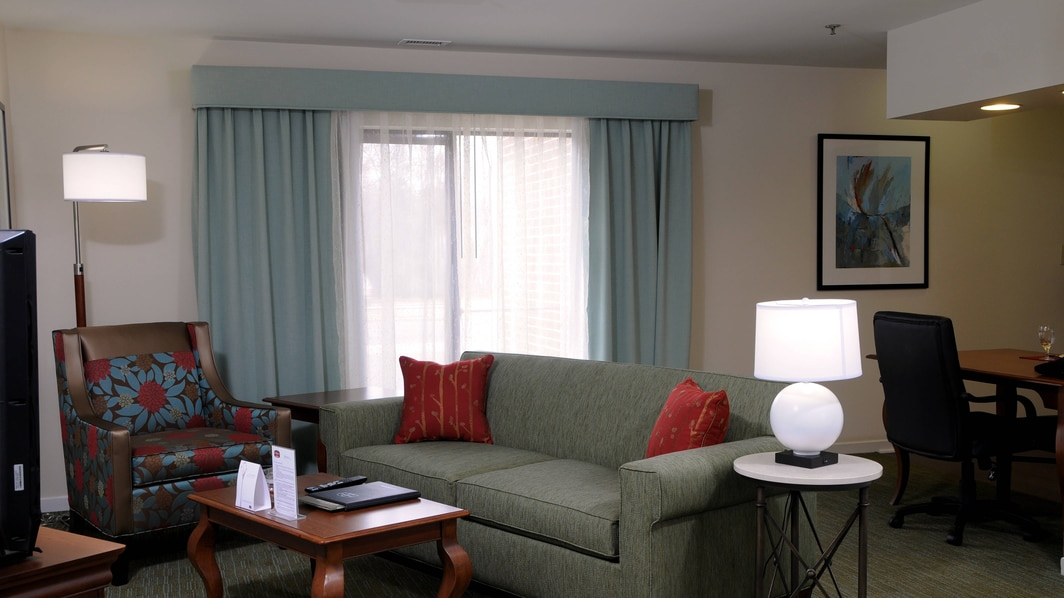 hotel suites near reston
