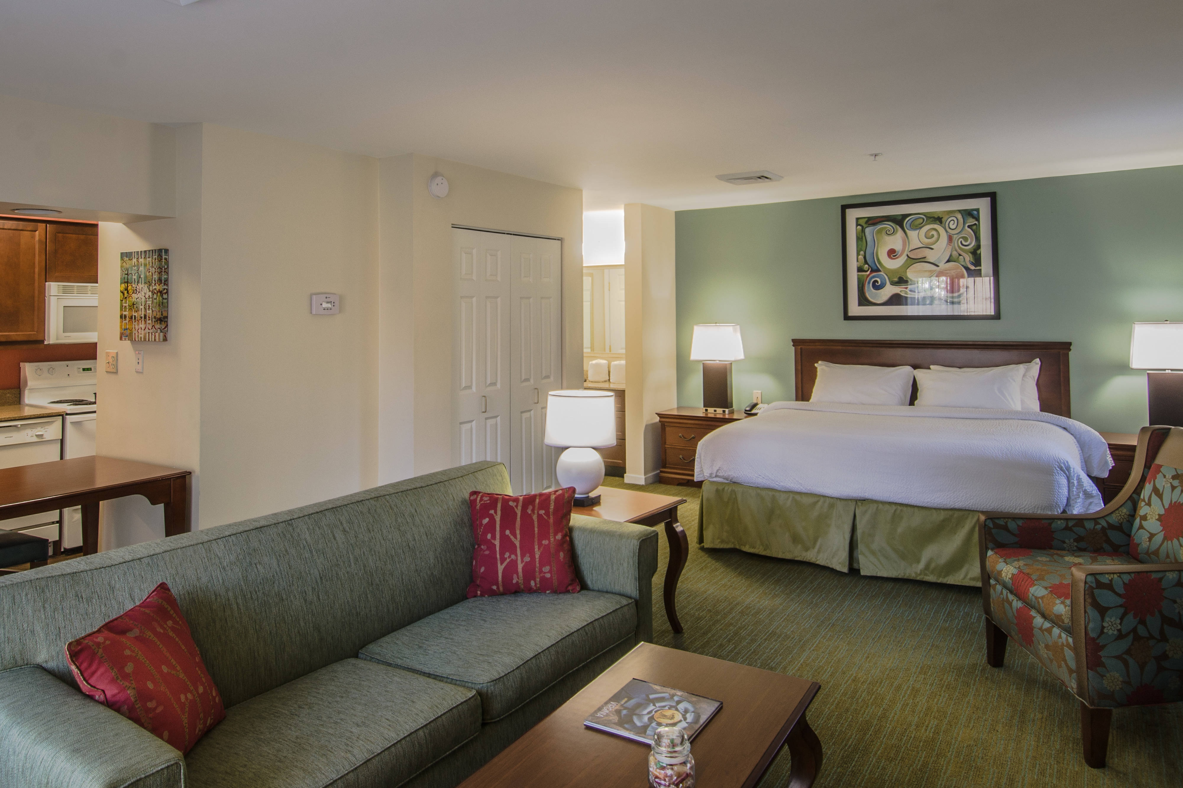 Find Comfort In Your Stay At Our Hotel Herndon Virginia