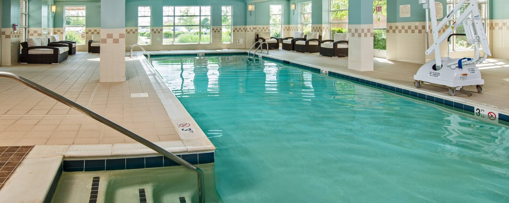 Dulles Hotel Indoor Pool